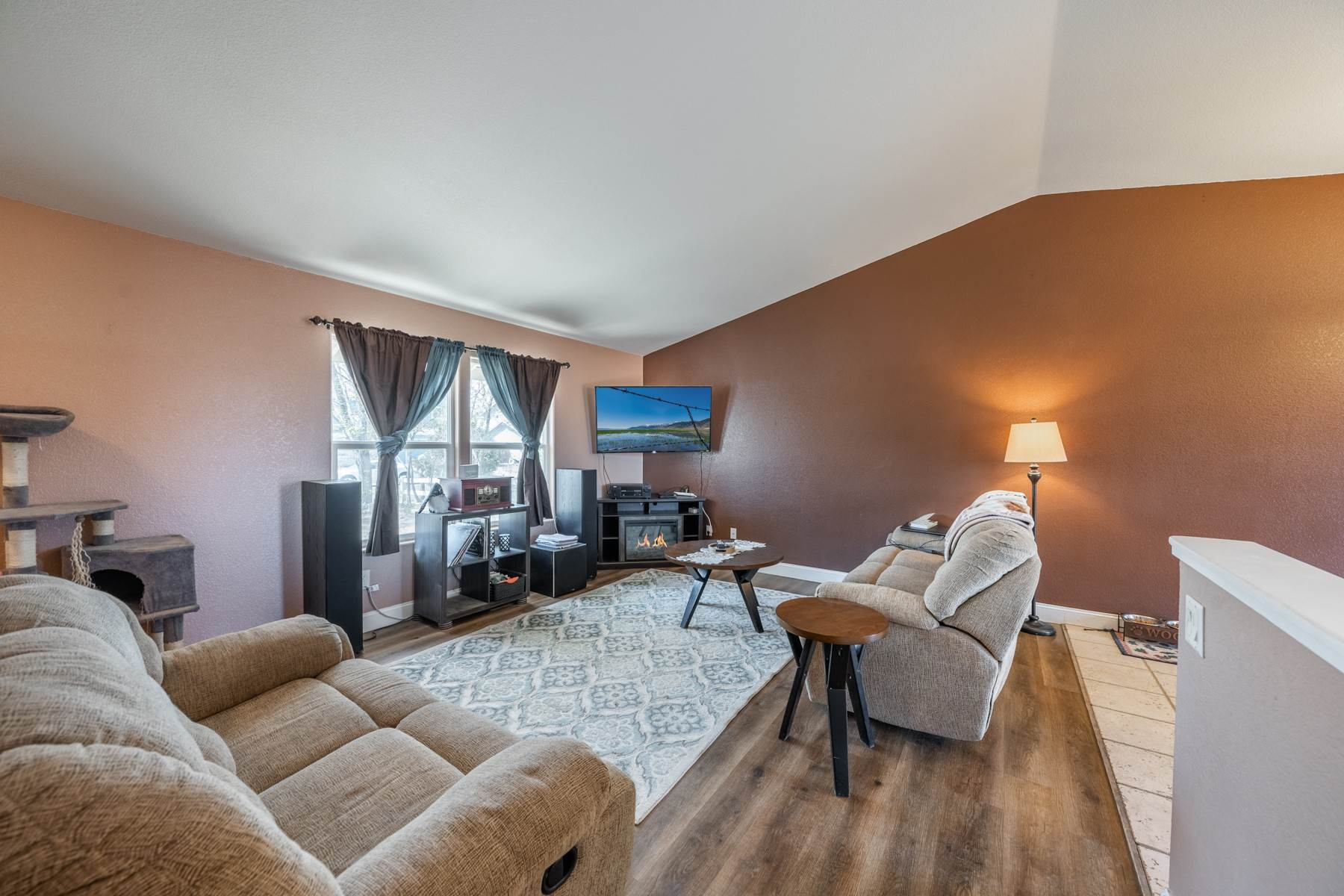 5. Single Family Homes for Active at Just 25 minutes from Reno 147 Desert Springs Ln Fernley, Nevada 89408 United States