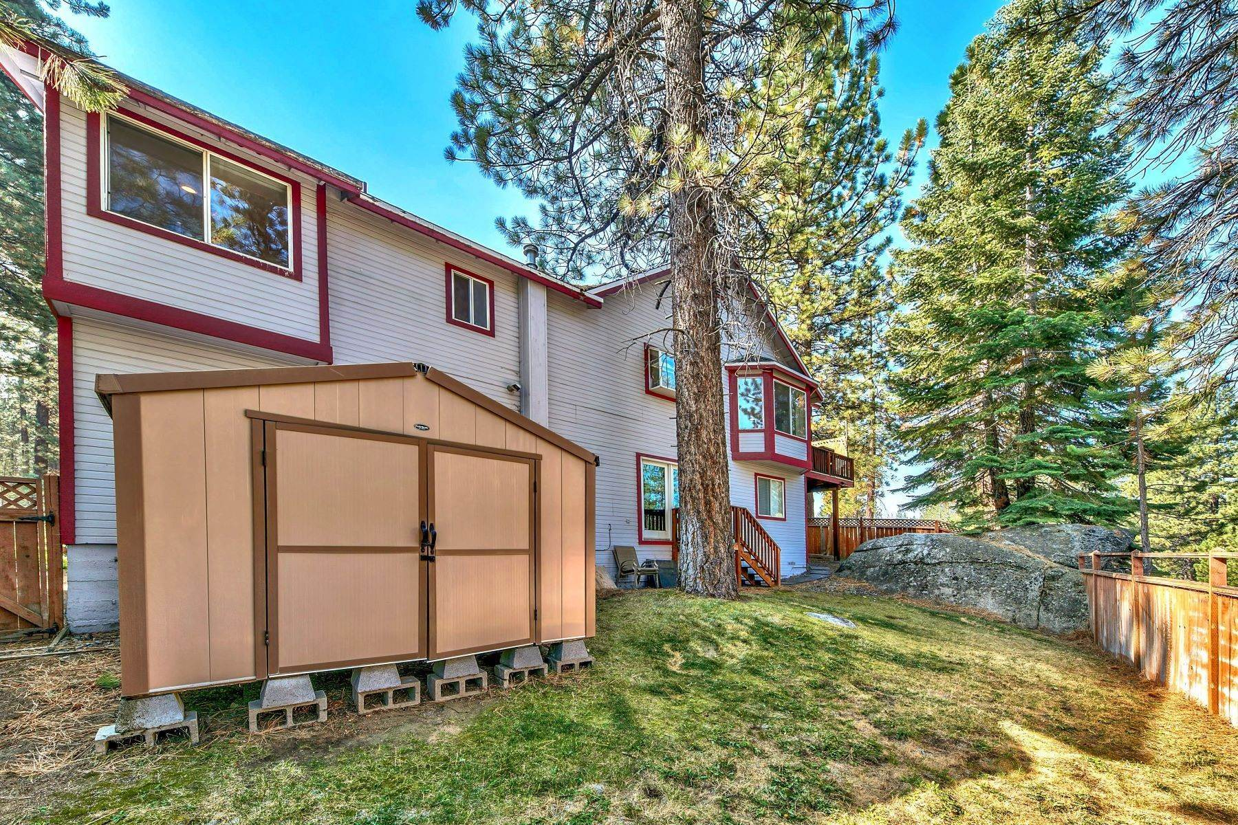 18. Single Family Homes for Active at Kokanee Estates Mountain Home 3067 Kokanee Trail South Lake Tahoe, California 96150 United States