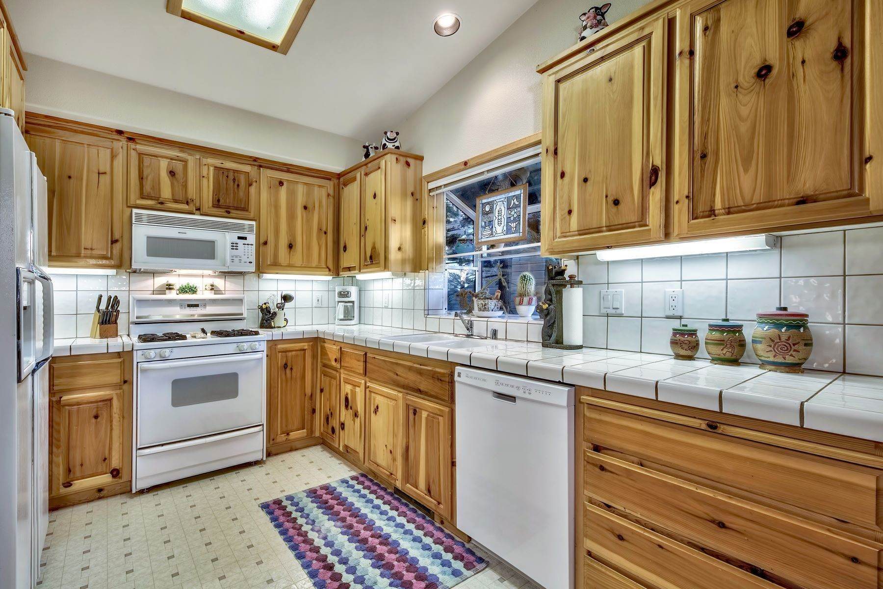 6. Single Family Homes for Active at Mountain Living 1670 Nadowa St. South Lake Tahoe, California 96150 United States