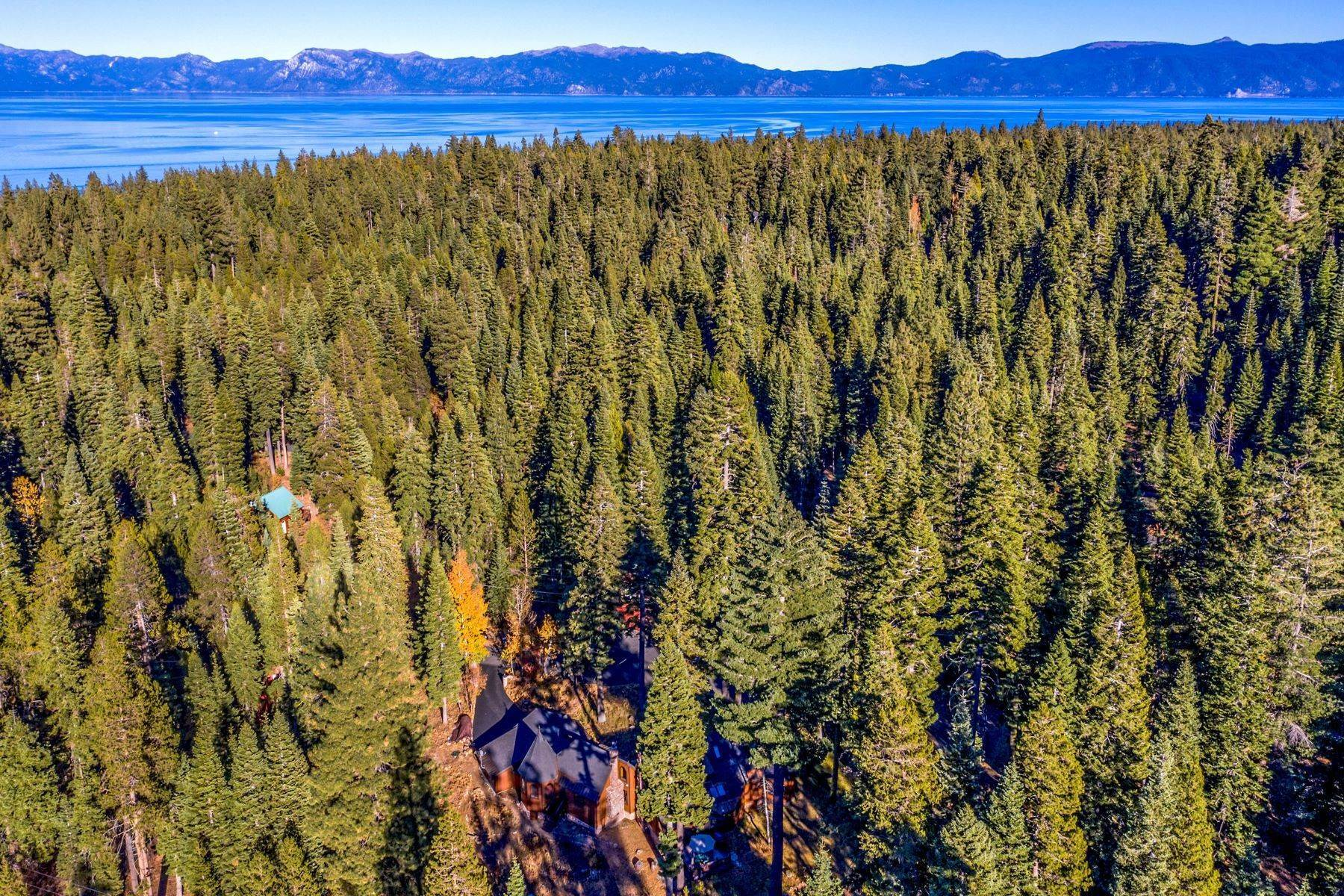 30. Single Family Homes for Active at Magical West Shore Lake Tahoe Home 7100 Deer Avenue Tahoma, California 96142 United States