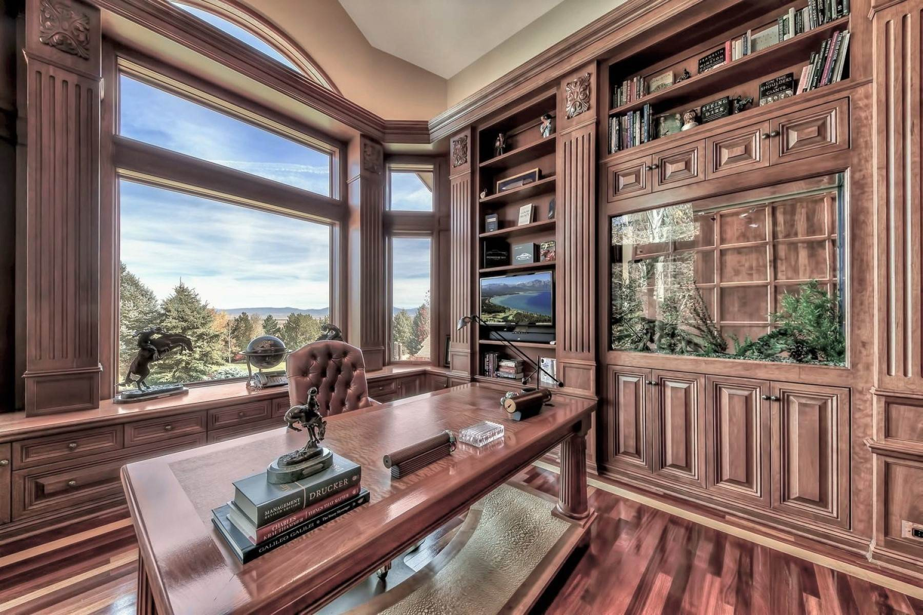 16. Single Family Homes for Active at Private Estate Near Lake Tahoe 263 Sierra Country Circle Gardnerville, Nevada 89460 United States