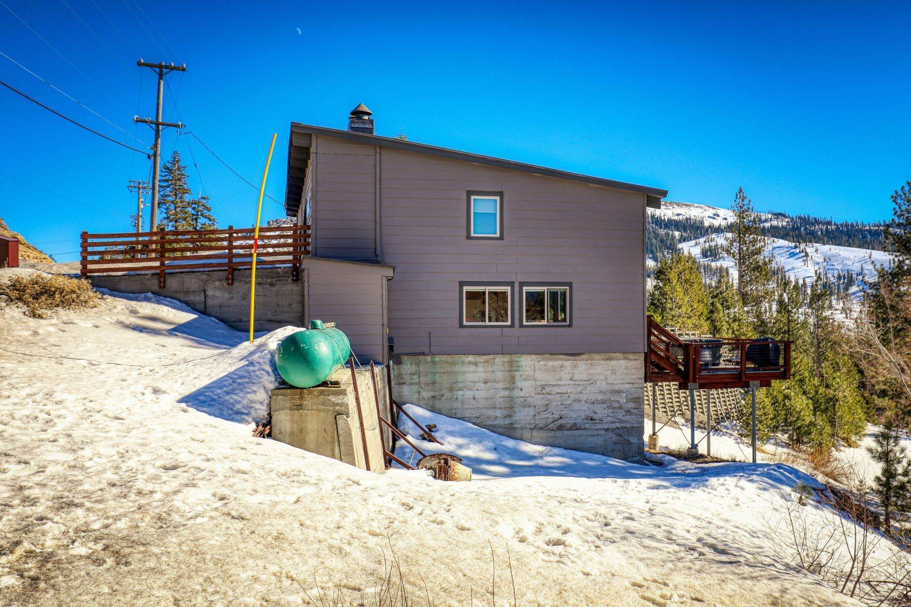 41. Single Family Homes for Active at Donner Summit Base Camp 58376 Donner Pass Road Norden, California 95724 United States