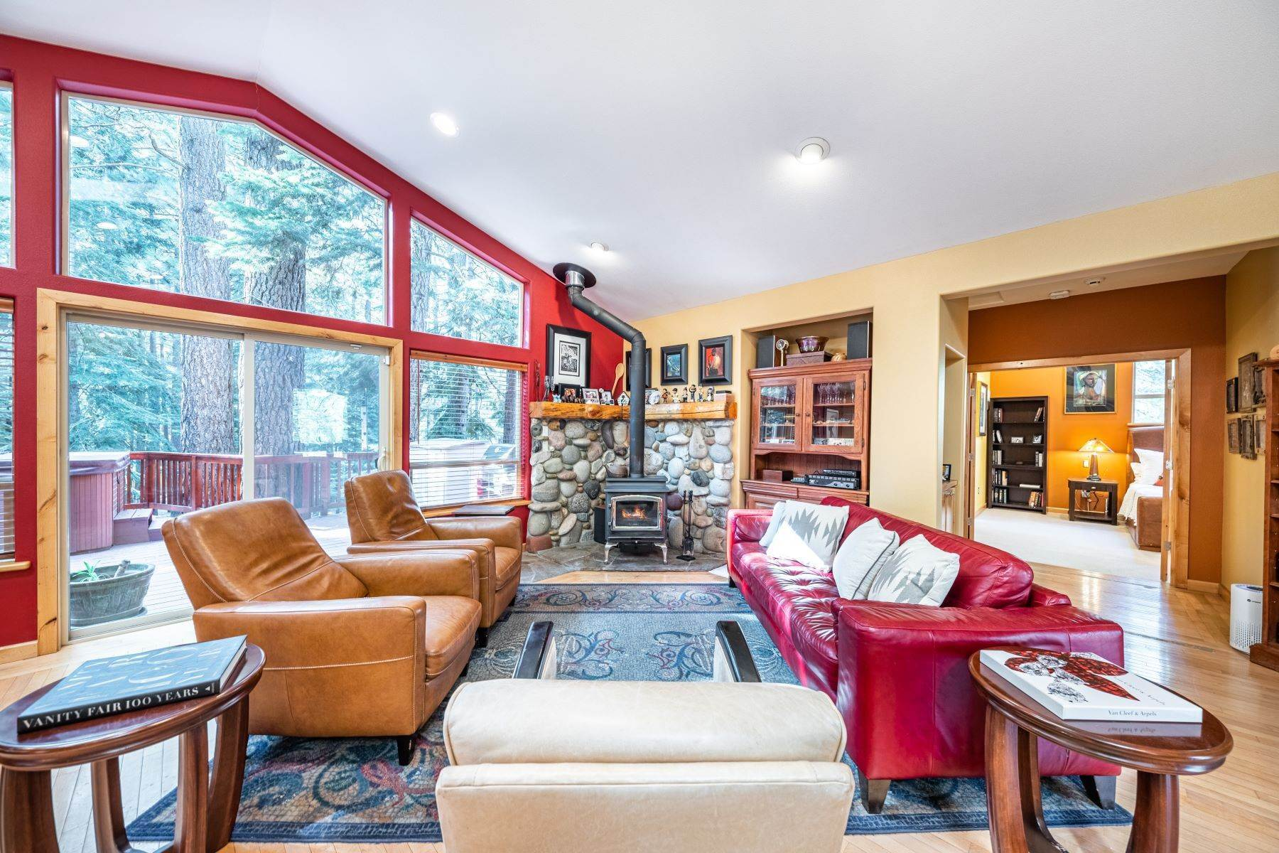 10. Single Family Homes for Active at Beautiful Secluded Mountain Home 1346 Bonanza Avenue South Lake Tahoe, California 96150 United States