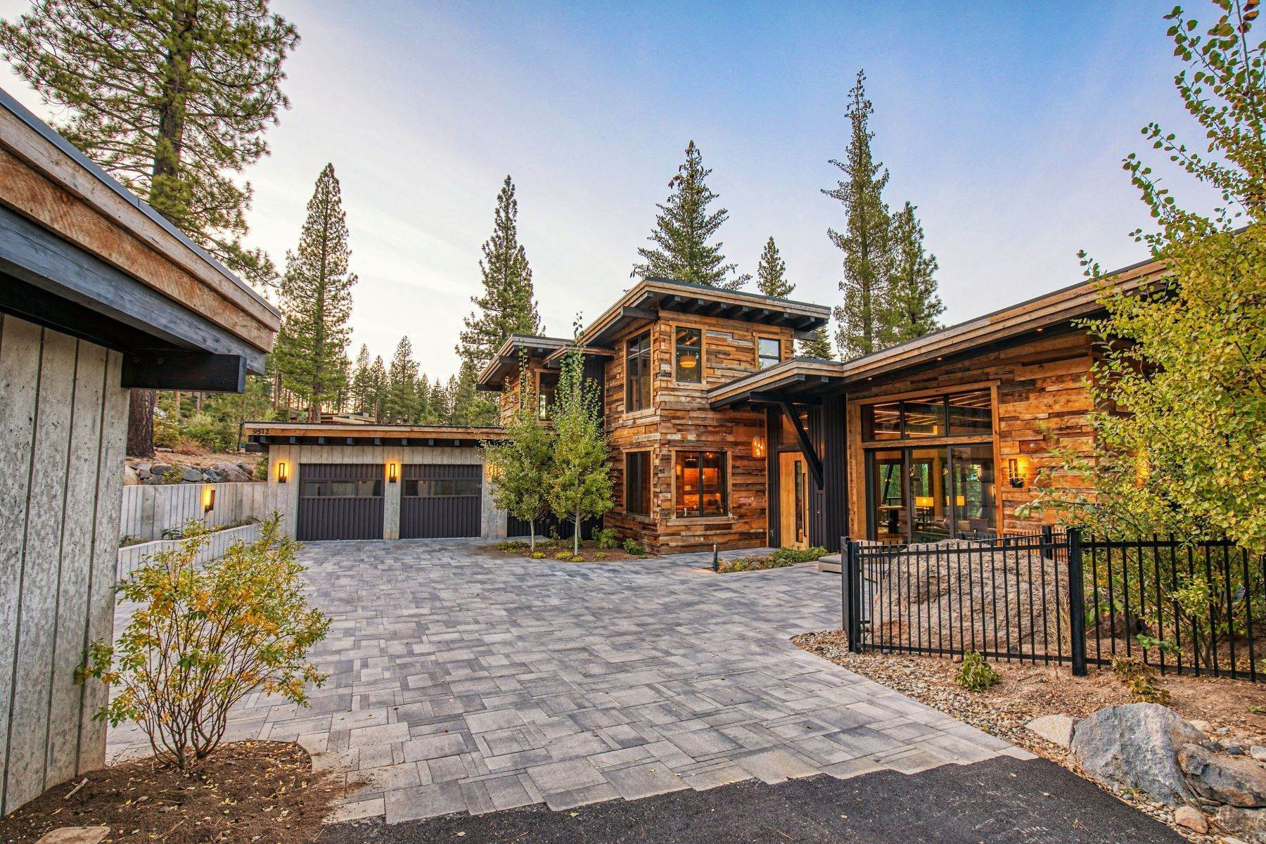 41. Single Family Homes for Active at 9512 Wawona Court, Truckee, CA 96161 9512 Wawona Court Truckee, California 96161 United States