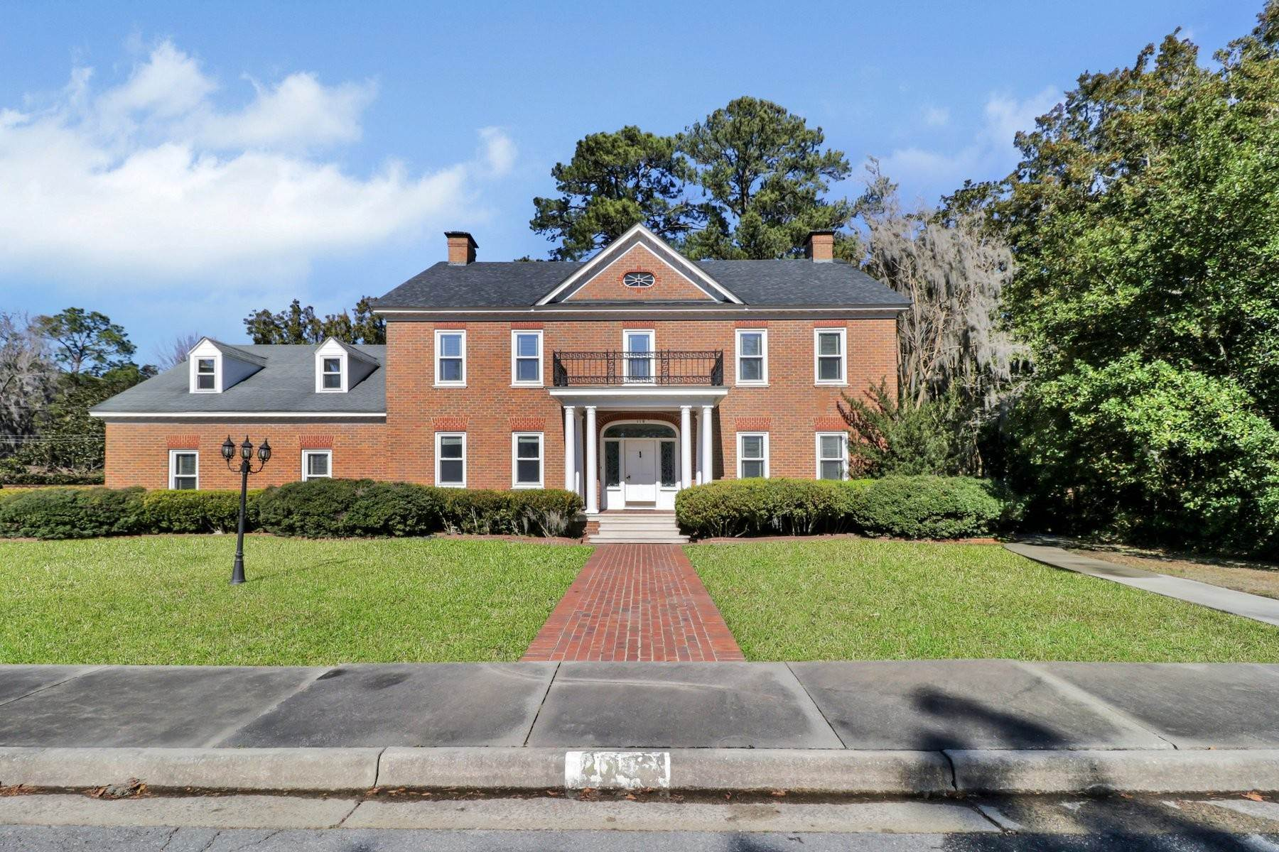 Single Family Homes for Active at Lovely Traditional Brick Home In Habersham Woods 116 McLaws Street Savannah, Georgia 31405 United States