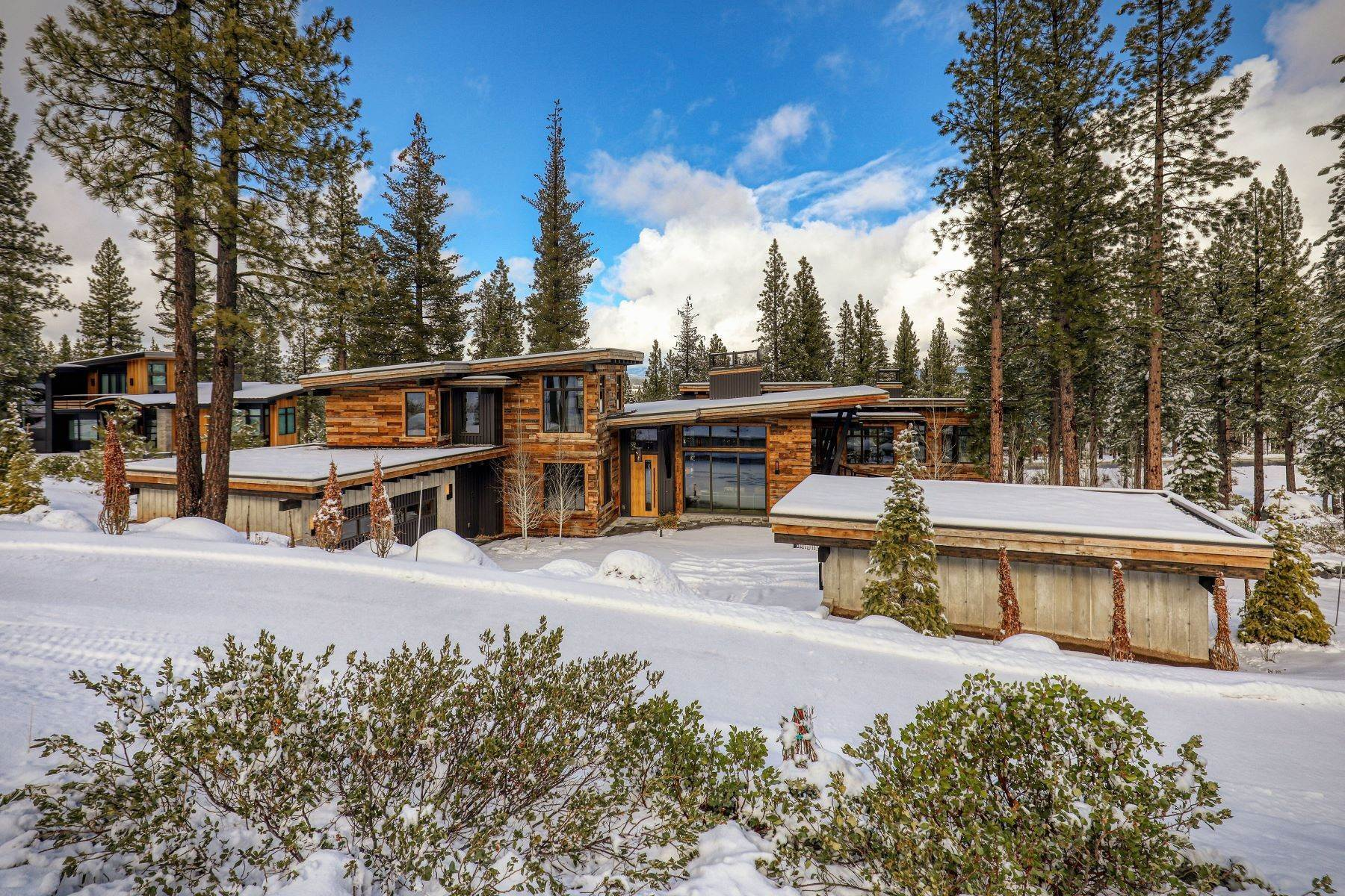50. Single Family Homes for Active at 9512 Wawona Court, Truckee, CA 96161 9512 Wawona Court Truckee, California 96161 United States