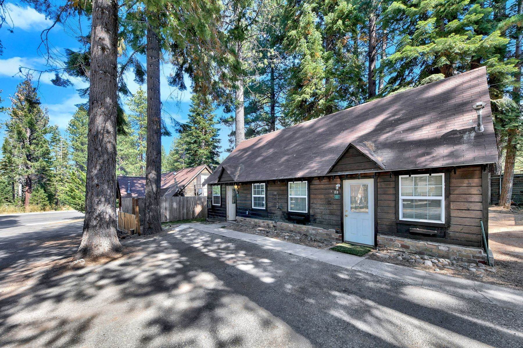 31. Multi-Family Homes for Active at Mountain Retreat on Emerald Bay Road 608/580 Emerald Bay Rd South Lake Tahoe, California 96150 United States