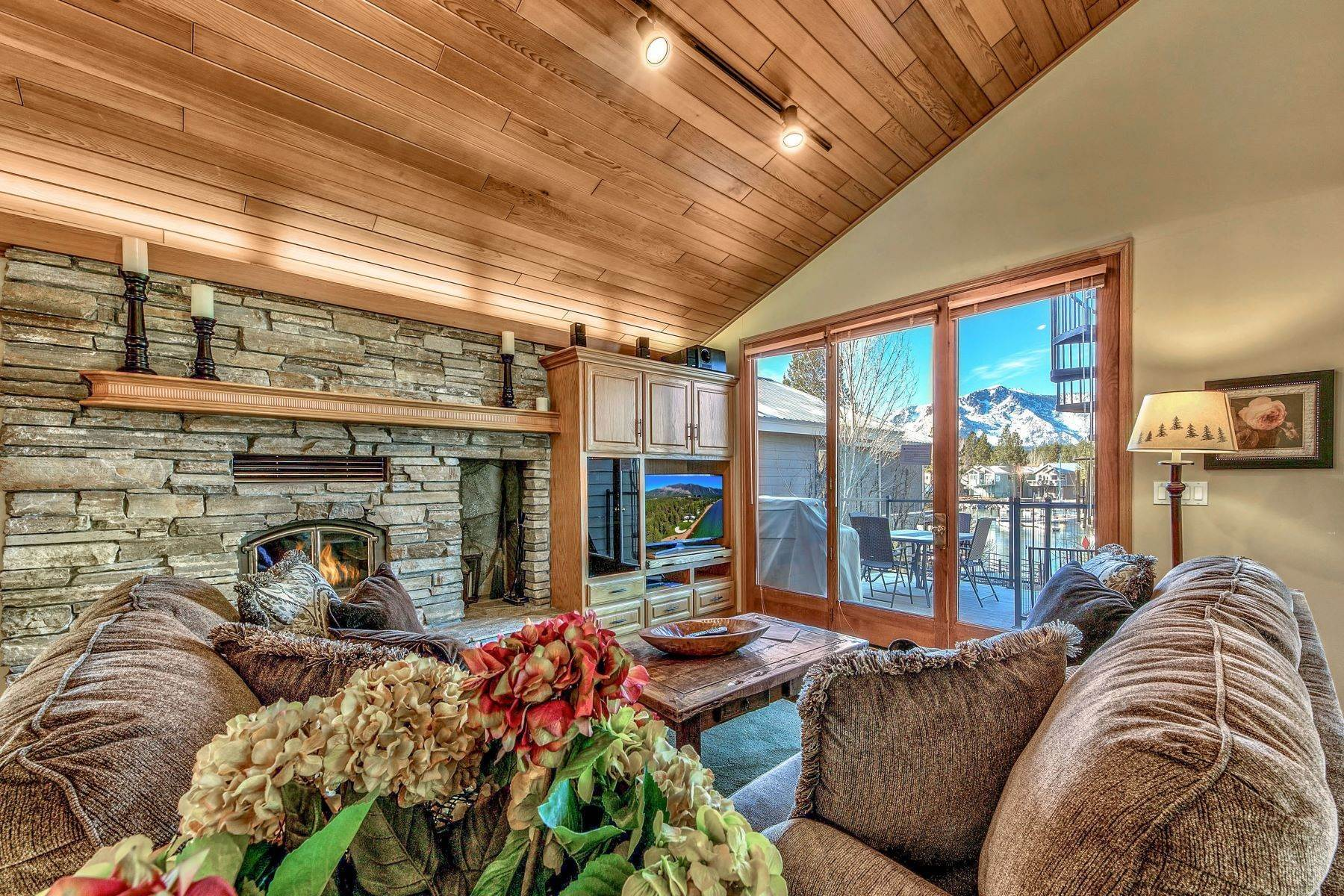 18. Single Family Homes for Active at Mountain Luxury Living 1959 Marconi Way South Lake Tahoe, California 96150 United States