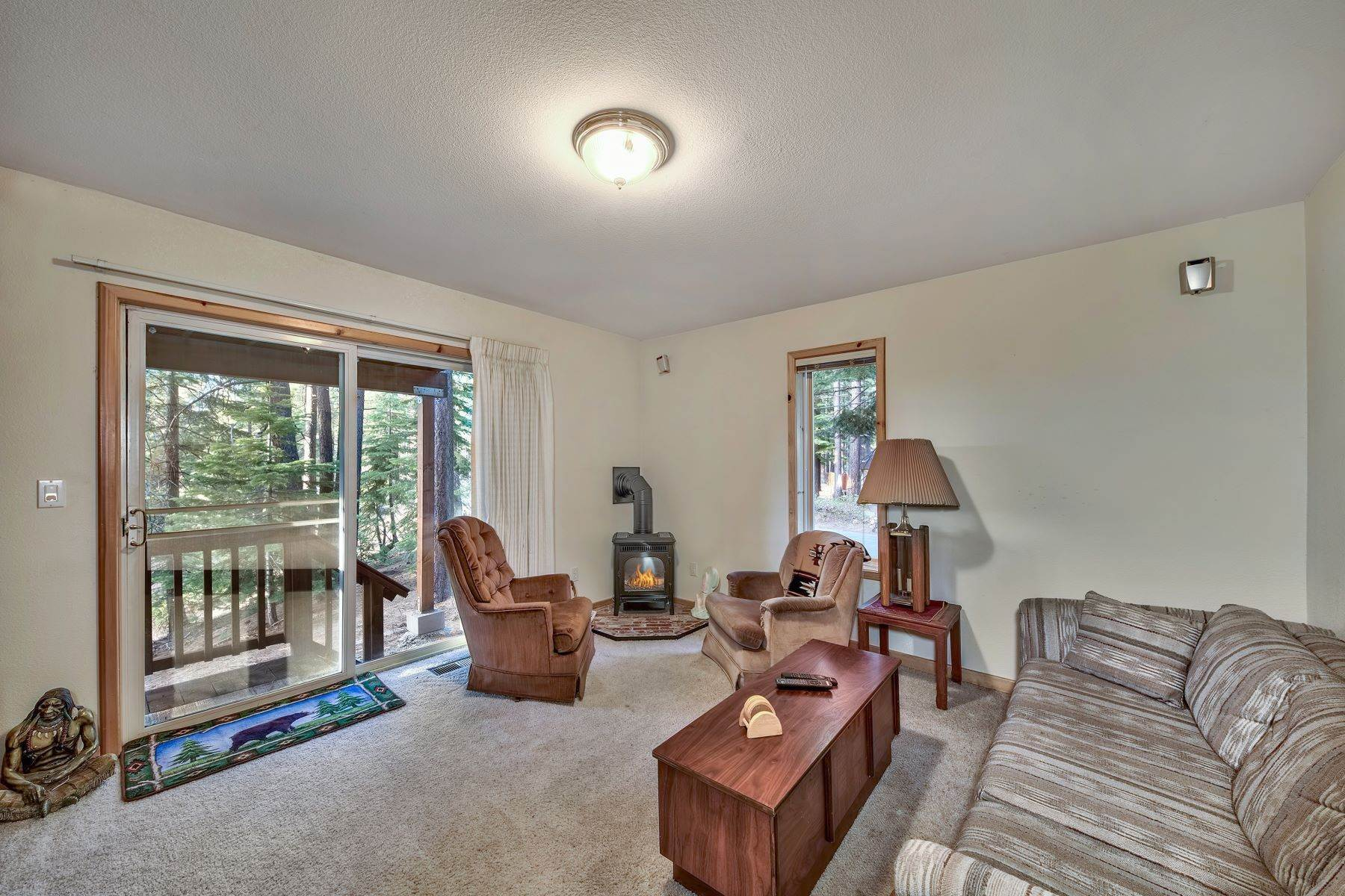 15. Single Family Homes for Active at Mountain Living 1670 Nadowa St. South Lake Tahoe, California 96150 United States