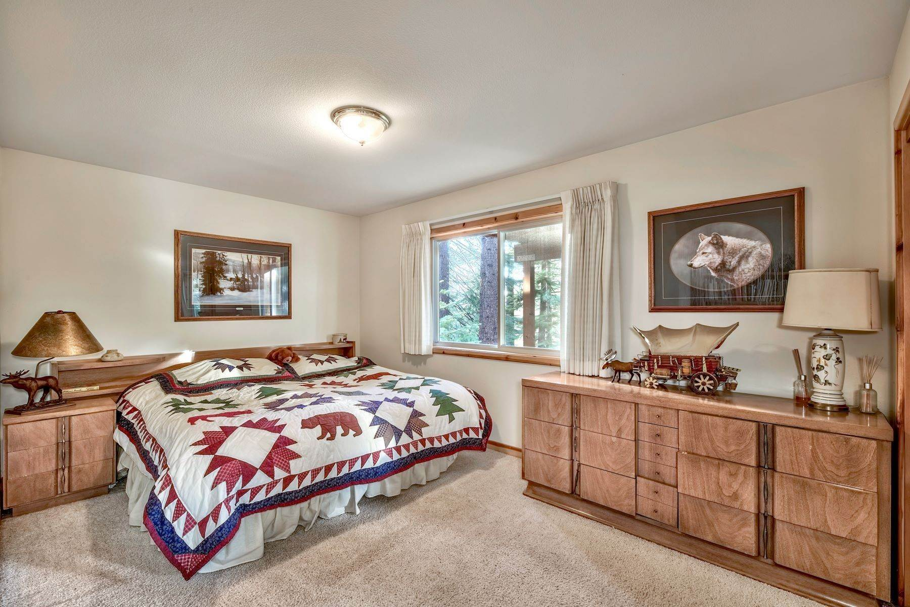 14. Single Family Homes for Active at Mountain Living 1670 Nadowa St. South Lake Tahoe, California 96150 United States