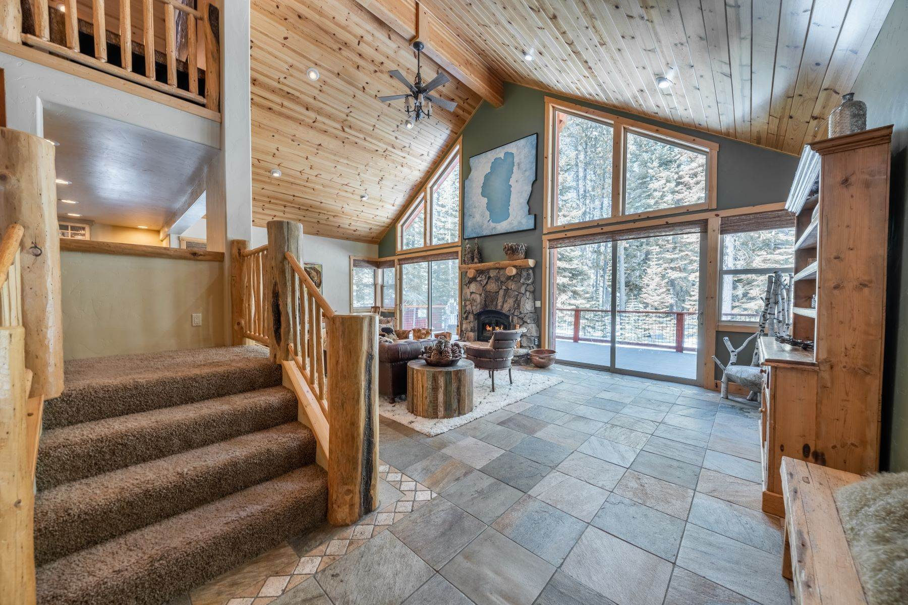 6. Single Family Homes for Active at Breathtaking Mountain Home in Ideal Location 11494 Oslo Dr Truckee, California 96161 United States