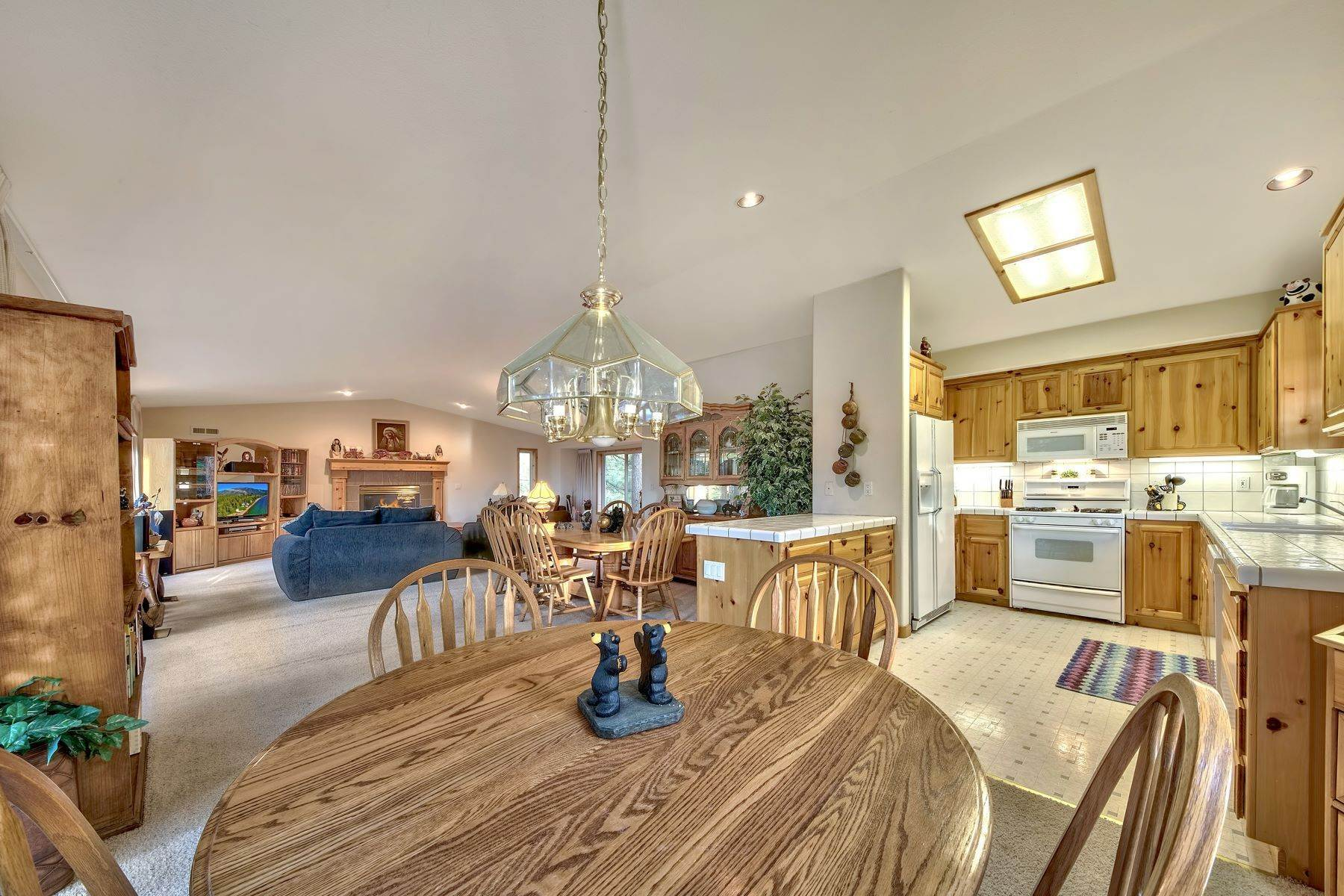 9. Single Family Homes for Active at Mountain Living 1670 Nadowa St. South Lake Tahoe, California 96150 United States