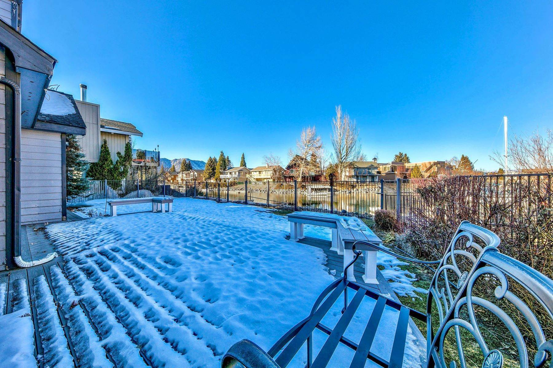 28. Single Family Homes for Active at 5 Bedroom Waterfront 1961 Kokanee Way South Lake Tahoe, California 96150 United States