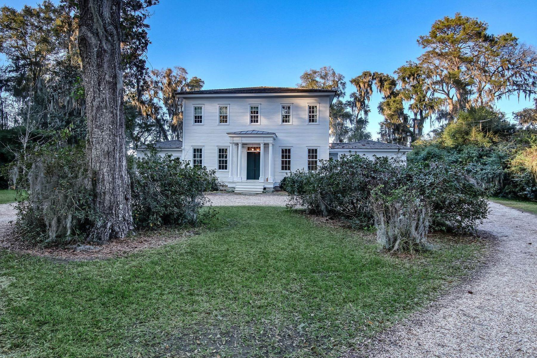 Single Family Homes for Active at Stunning Custom-Built Estate In Historic Vernonburg 528 Dancy Avenue Savannah, Georgia 31419 United States