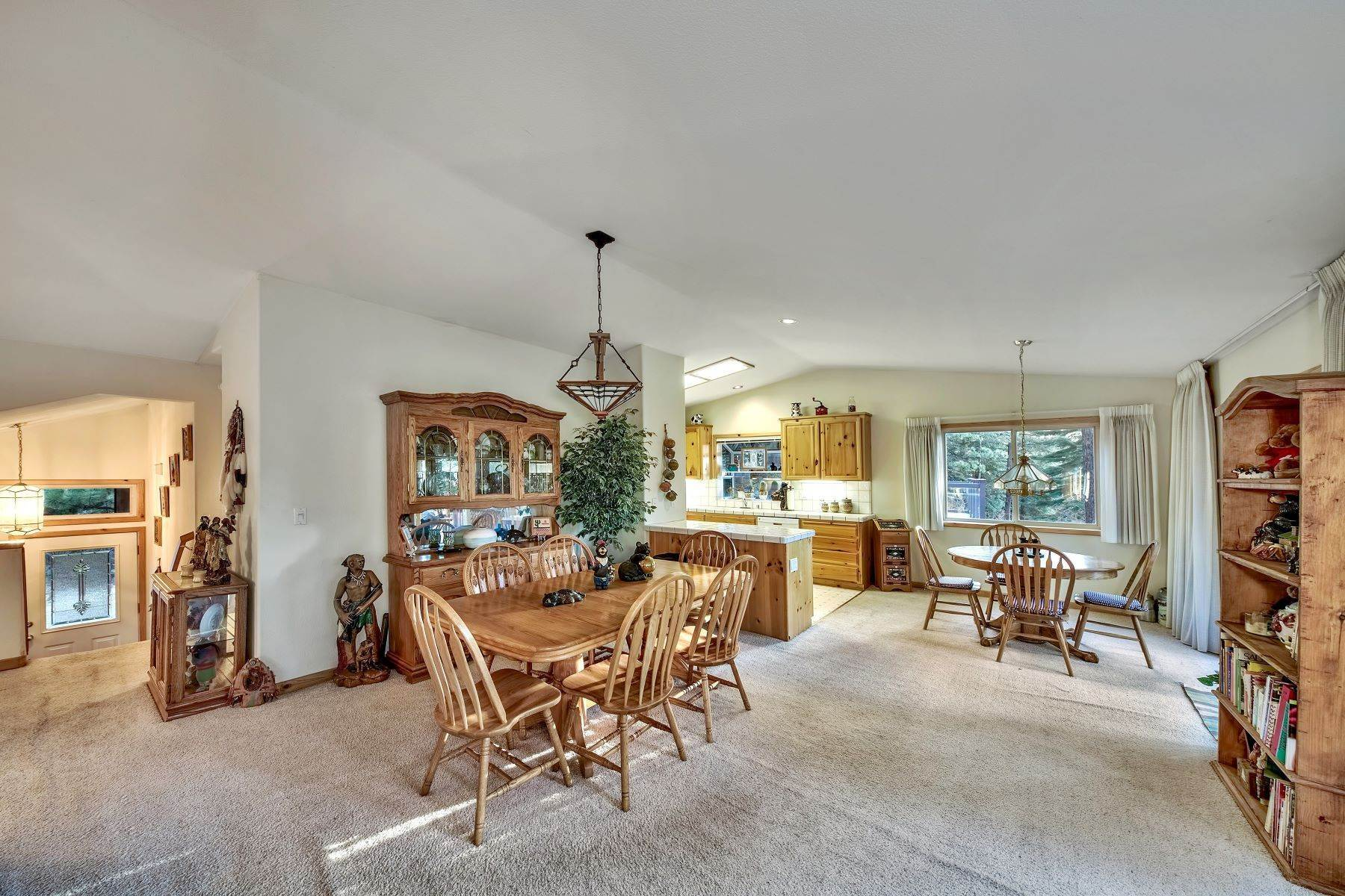 8. Single Family Homes for Active at Mountain Living 1670 Nadowa St. South Lake Tahoe, California 96150 United States