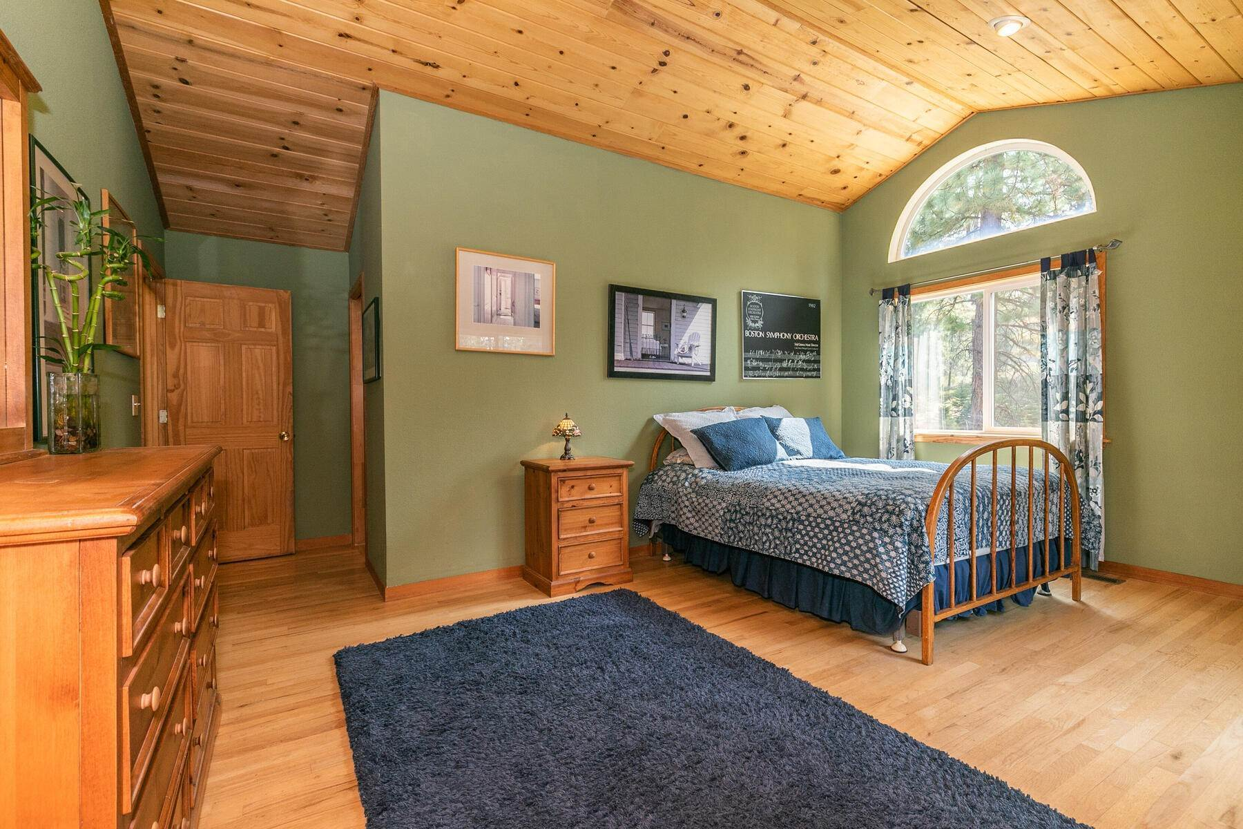 36. Single Family Homes for Active at Best Kept Secret In Truckee Is Out 10915 Royal Crest Drive Truckee, California 96161 United States