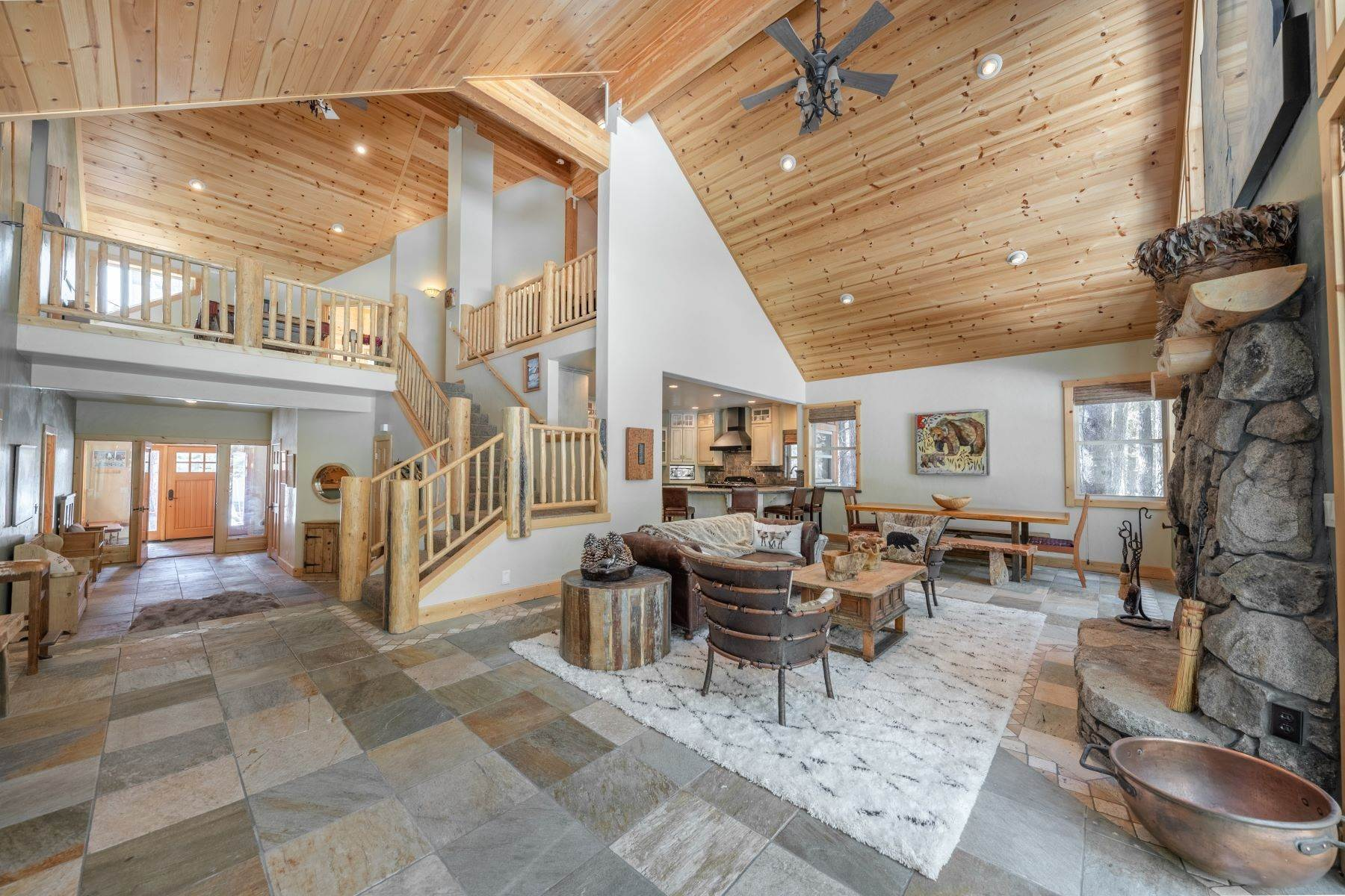 7. Single Family Homes for Active at Breathtaking Mountain Home in Ideal Location 11494 Oslo Dr Truckee, California 96161 United States