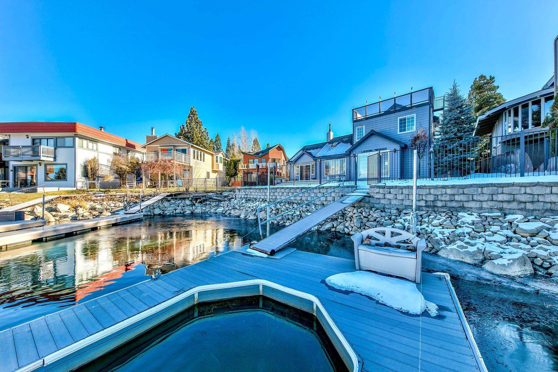 30. Single Family Homes for Active at 5 Bedroom Waterfront 1961 Kokanee Way South Lake Tahoe, California 96150 United States
