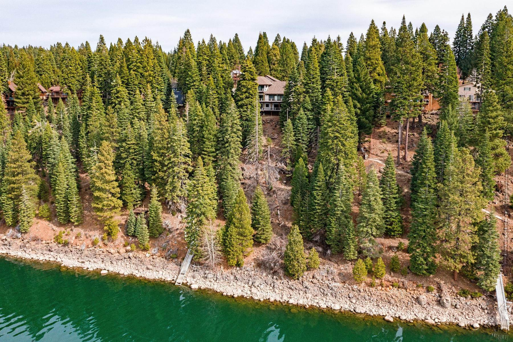 49. Single Family Homes for Active at Beautiful Lakefront Home 925 Lassen View Drive Lake Almanor, California 96137 United States