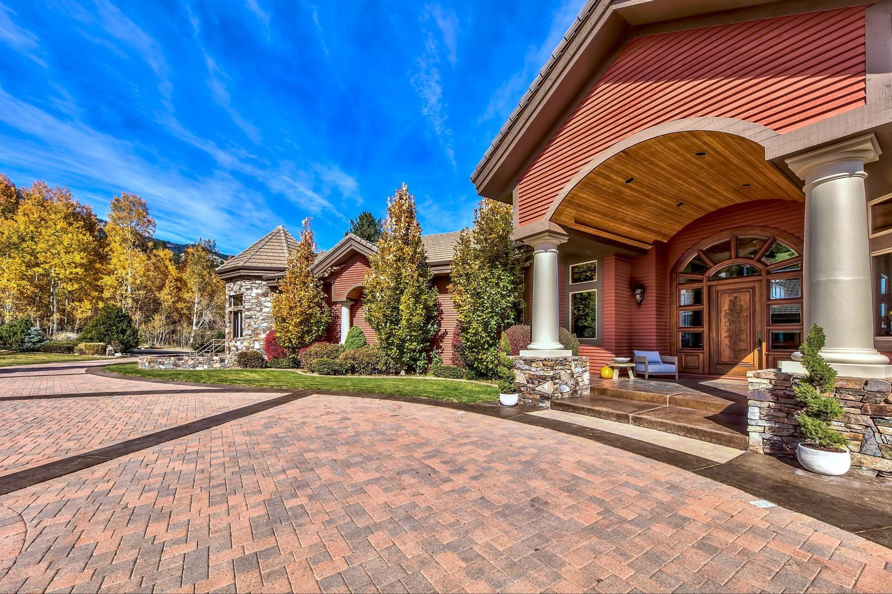 6. Single Family Homes for Active at Private Estate Near Lake Tahoe 263 Sierra Country Circle Gardnerville, Nevada 89460 United States