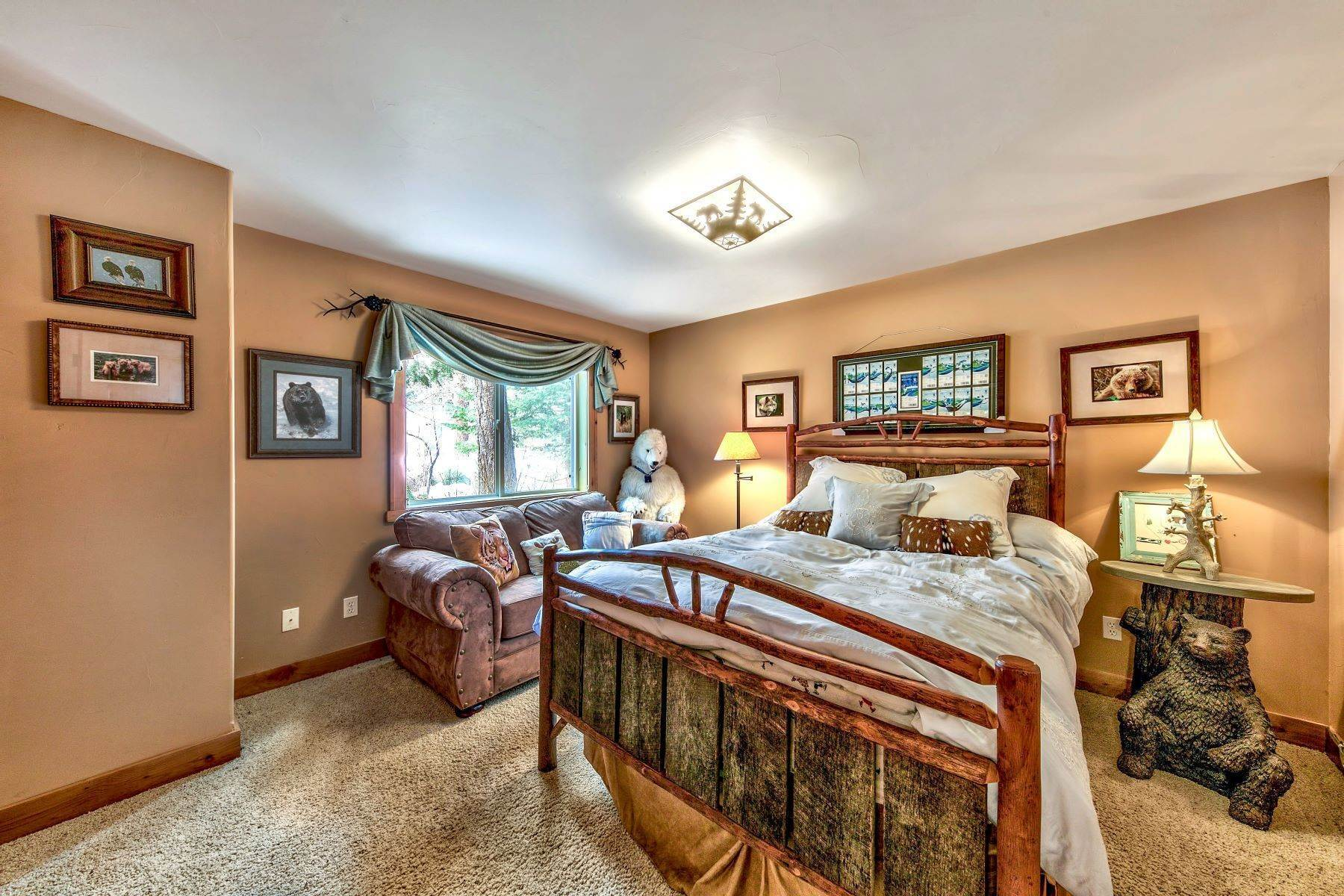 23. Single Family Homes for Active at Mountain Luxury 567 Eloise Ave South Lake Tahoe, California 96150 United States