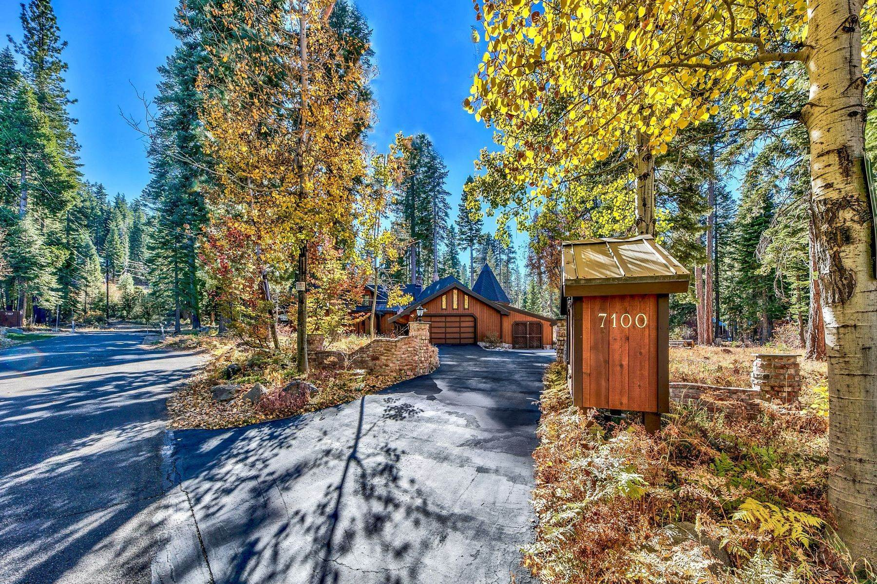 25. Single Family Homes for Active at Magical West Shore Lake Tahoe Home 7100 Deer Avenue Tahoma, California 96142 United States