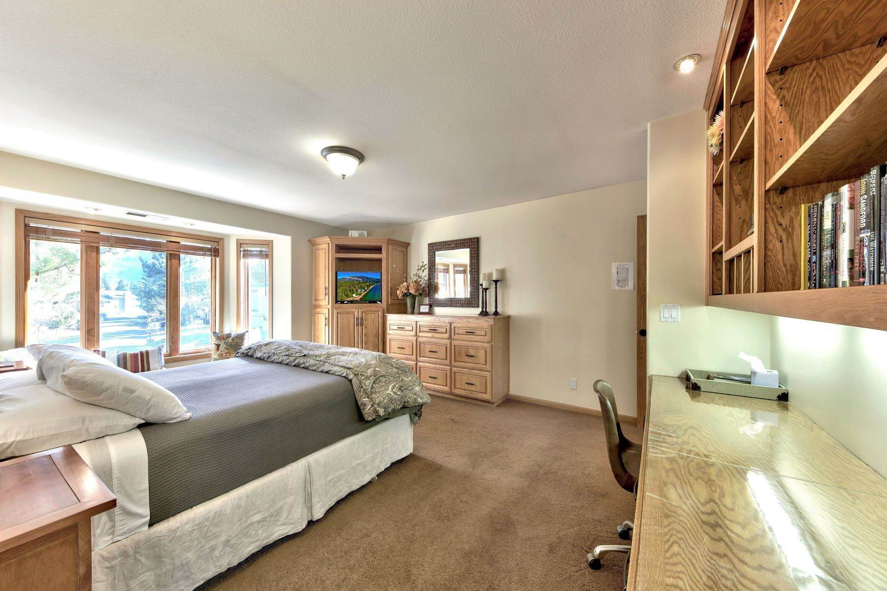 10. Single Family Homes for Active at Mountain Luxury Living 1959 Marconi Way South Lake Tahoe, California 96150 United States