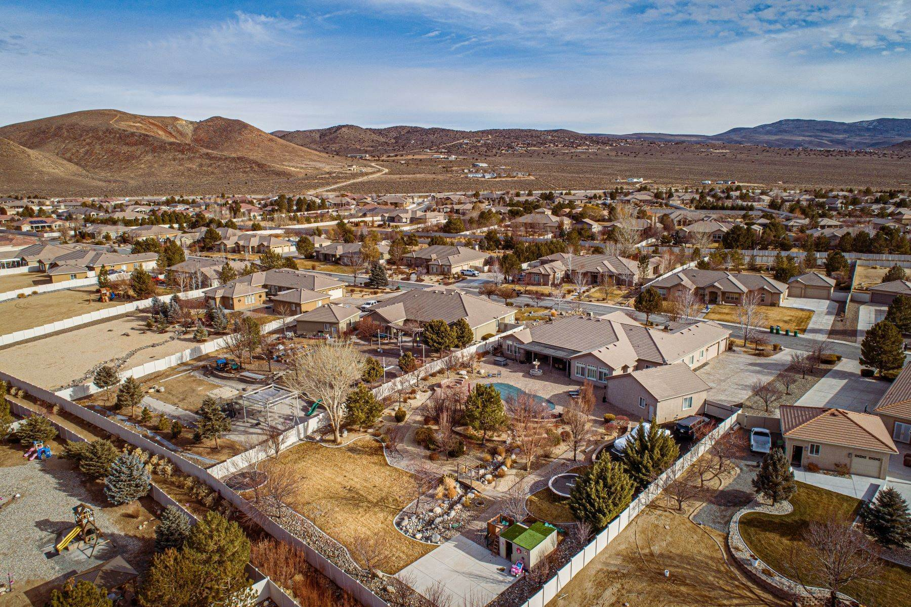 32. Single Family Homes for Active at Exquisite Pebble Creek Home 11785 Ocean View Dr Sparks, Nevada 89441 United States