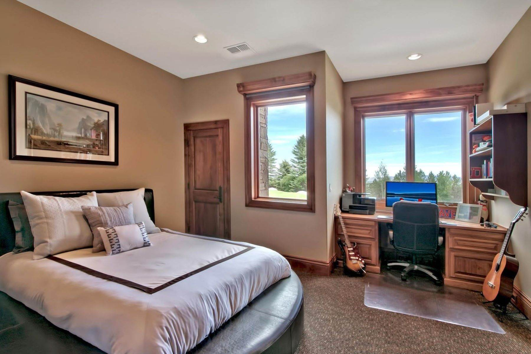 23. Single Family Homes for Active at Private Estate Near Lake Tahoe 263 Sierra Country Circle Gardnerville, Nevada 89460 United States
