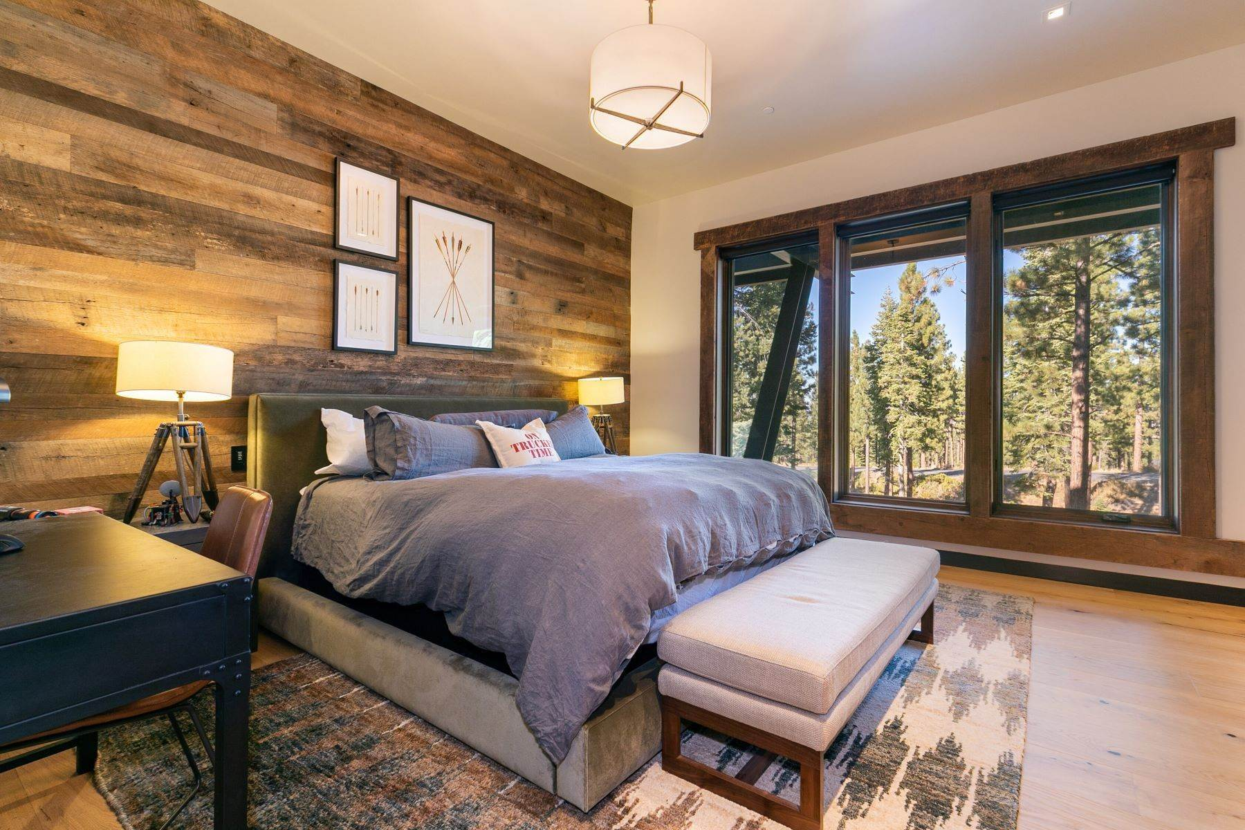 19. Single Family Homes for Active at 9512 Wawona Court, Truckee, CA 96161 9512 Wawona Court Truckee, California 96161 United States