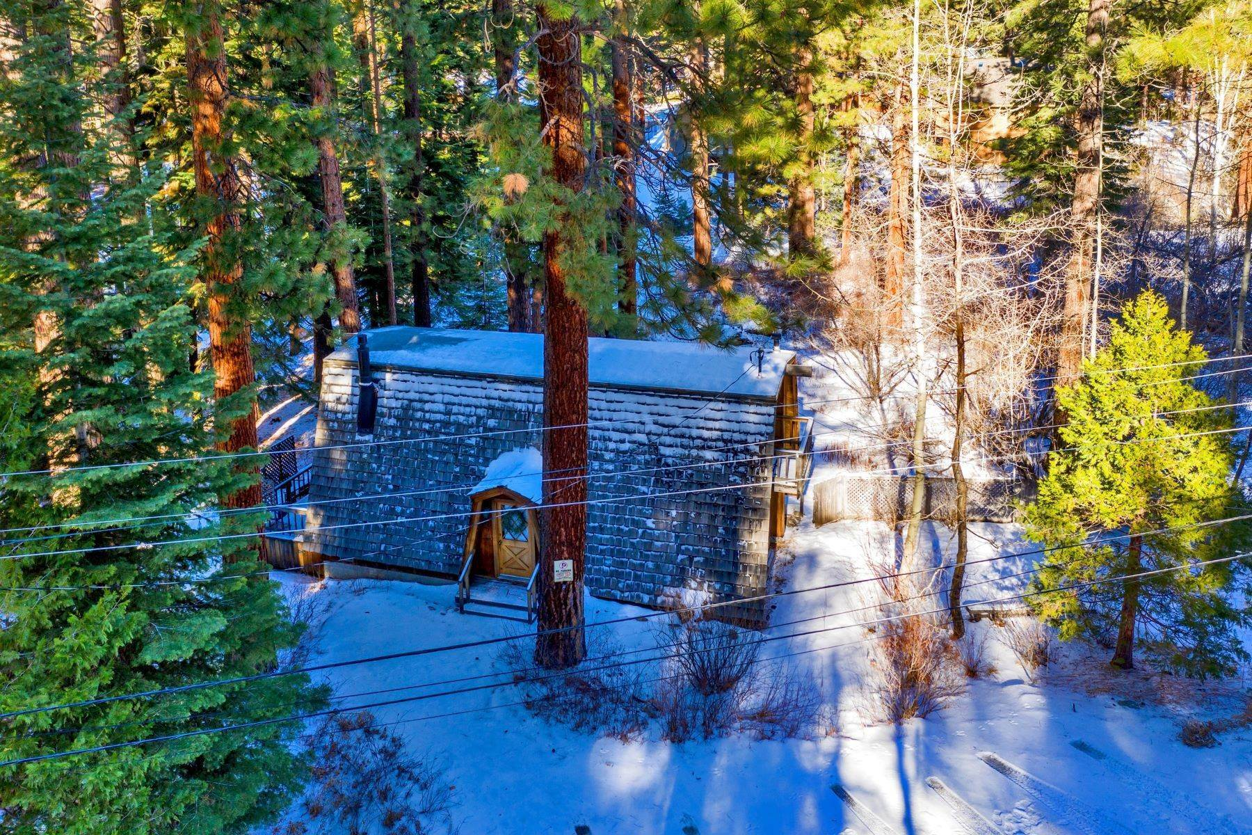 3. Single Family Homes for Active at Charming Tahoe Cabin 135 Mayhew Circle Incline Village, Nevada 89451 United States
