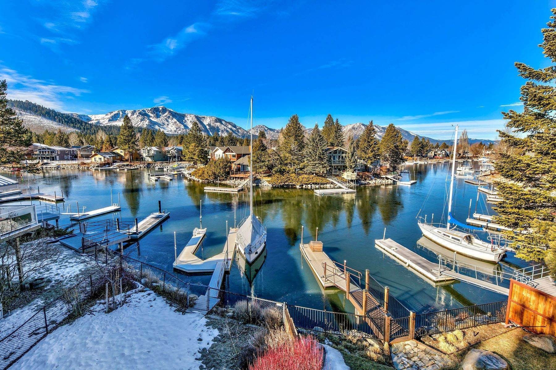 34. Single Family Homes for Active at Mountain Luxury Living 1959 Marconi Way South Lake Tahoe, California 96150 United States