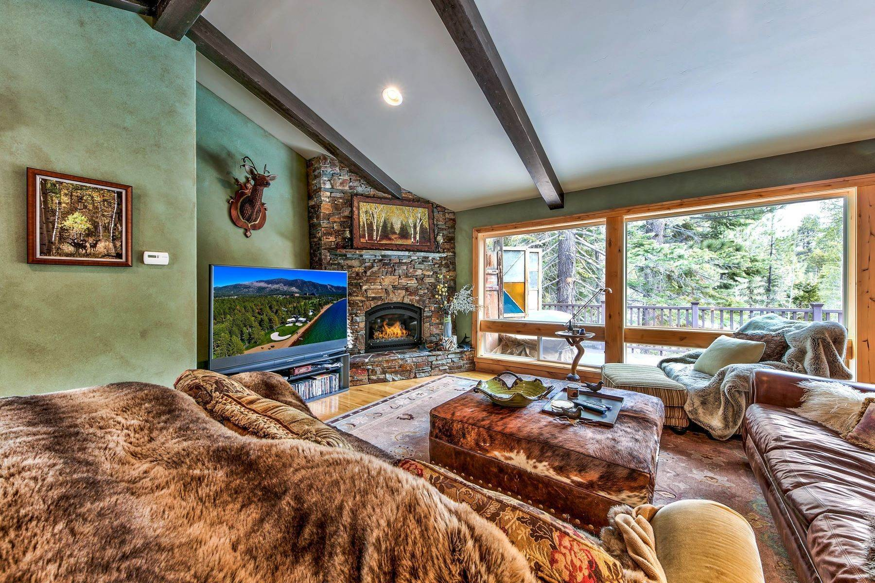 4. Single Family Homes for Active at Mountain Luxury 567 Eloise Ave South Lake Tahoe, California 96150 United States