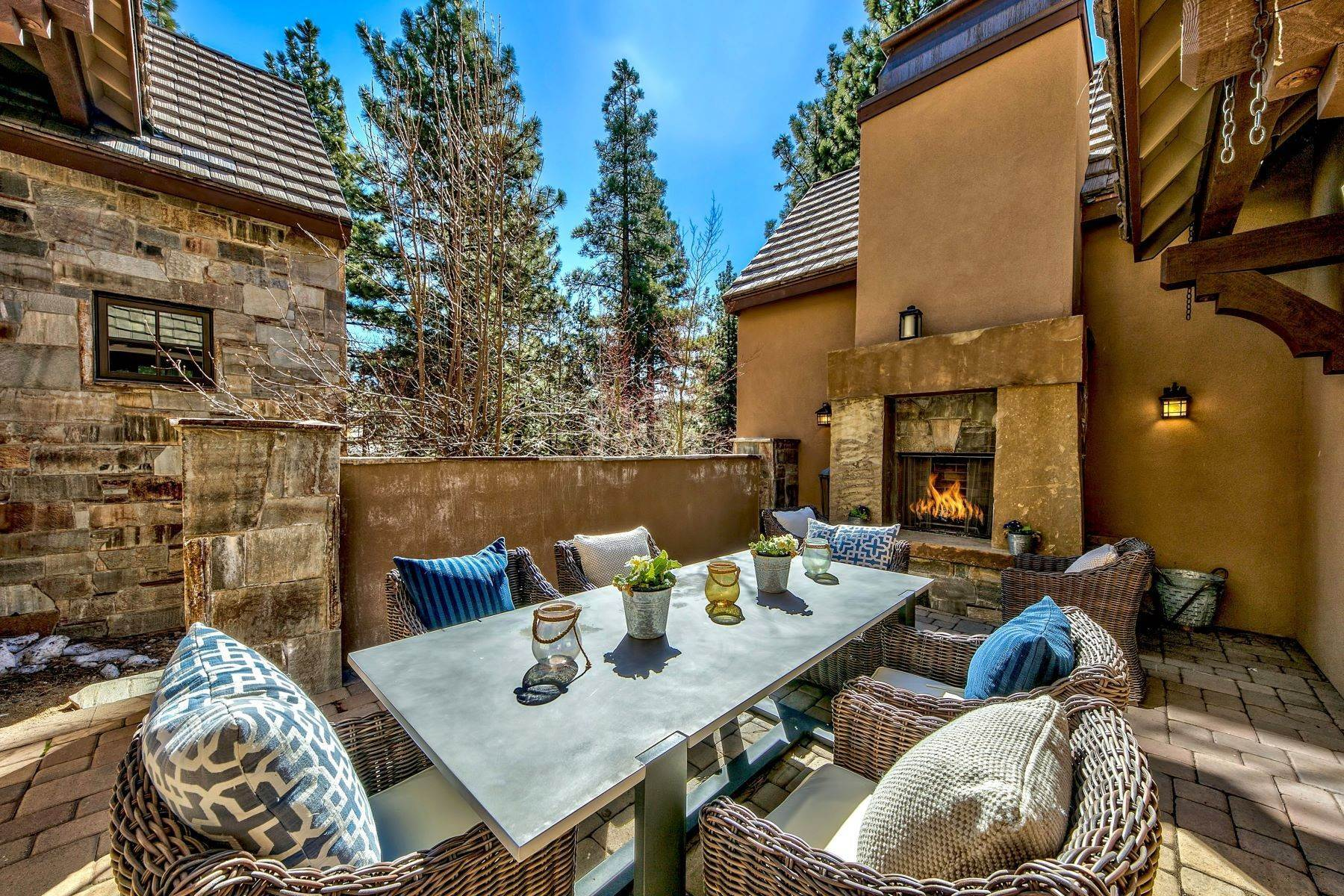 12. Single Family Homes for Active at Mountain Modern Montreux 4585 Alpes Way Reno, Nevada 89511 United States
