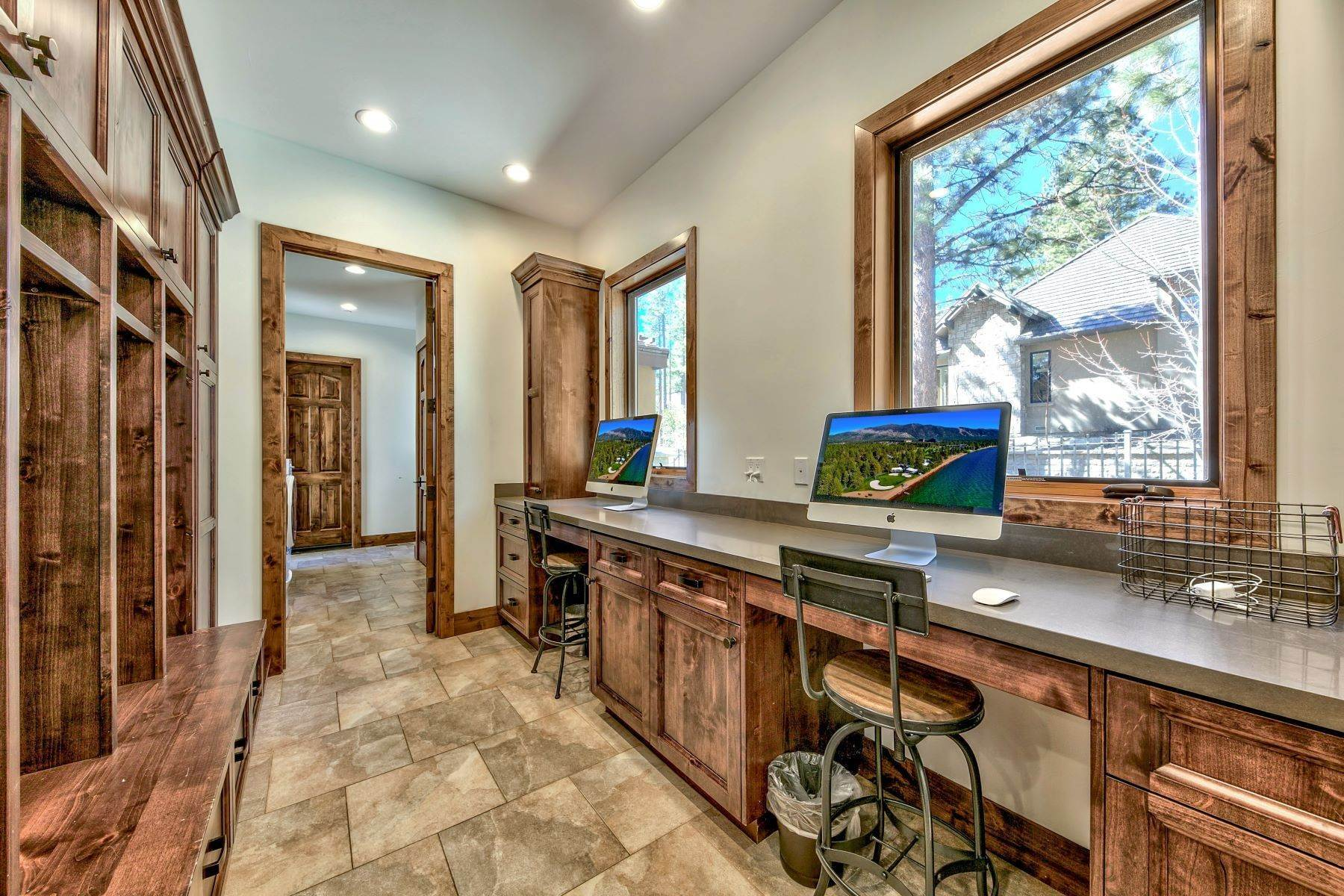 23. Single Family Homes for Active at Mountain Modern Montreux 4585 Alpes Way Reno, Nevada 89511 United States