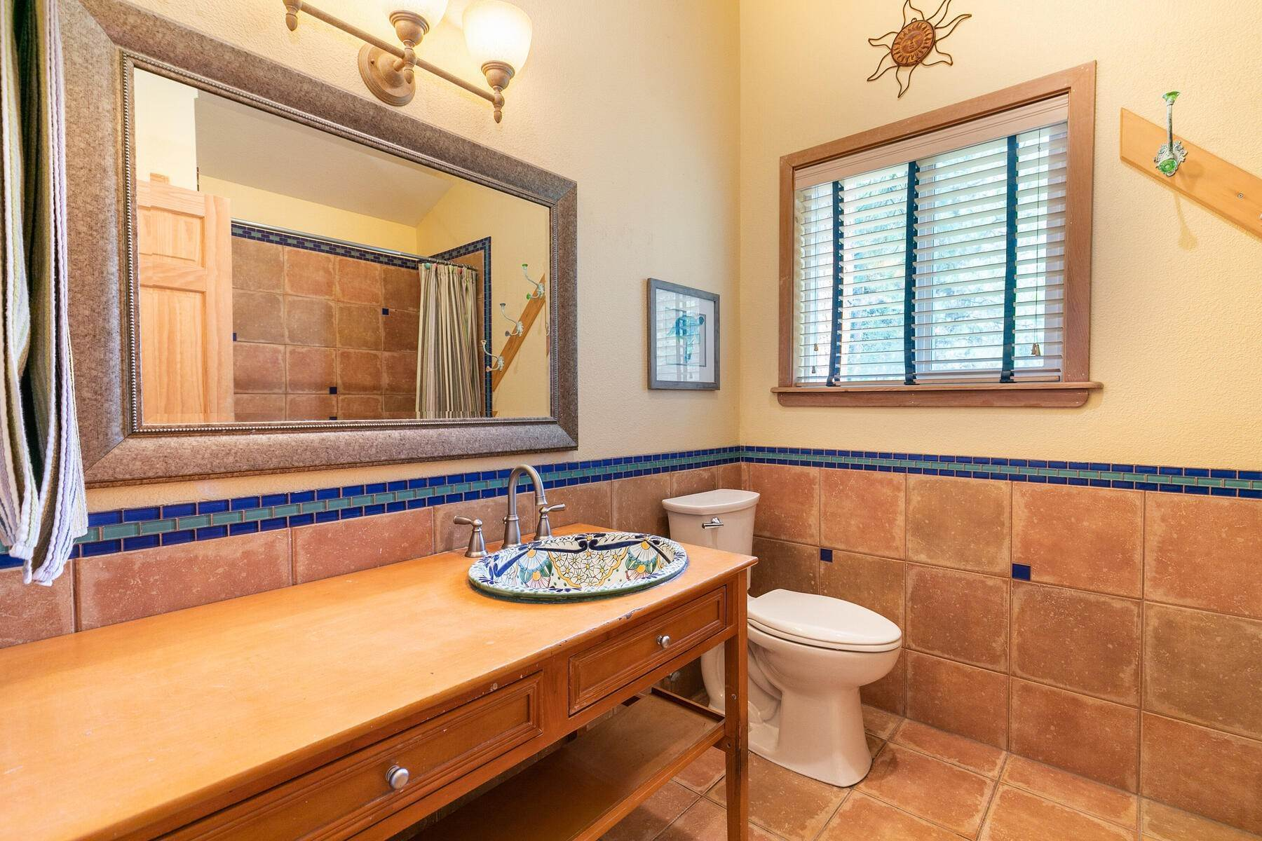8. Single Family Homes for Active at Best Kept Secret In Truckee Is Out 10915 Royal Crest Drive Truckee, California 96161 United States