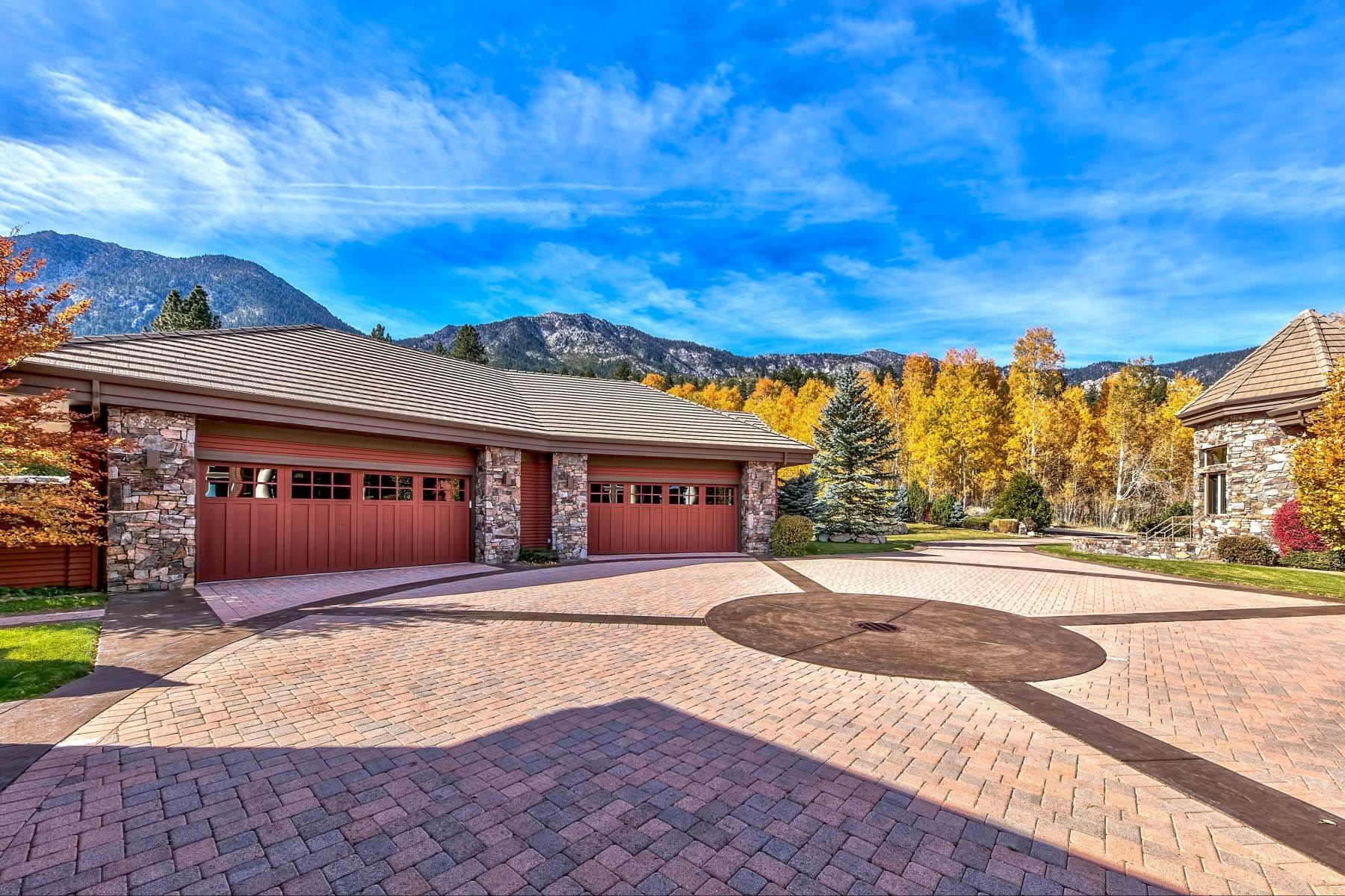 31. Single Family Homes for Active at Private Estate Near Lake Tahoe 263 Sierra Country Circle Gardnerville, Nevada 89460 United States