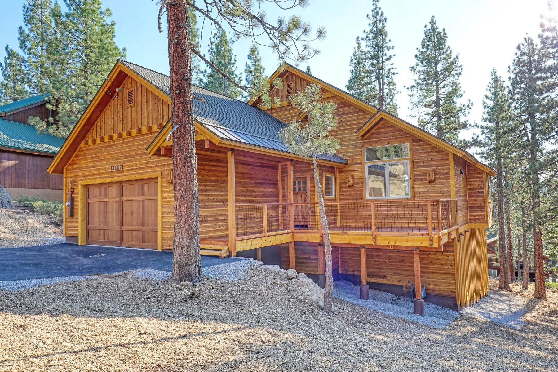 Single Family Homes por un Venta en New Construction in Tahoe Donner 11525 Oslo Drive Truckee, California 96161 Estados Unidos