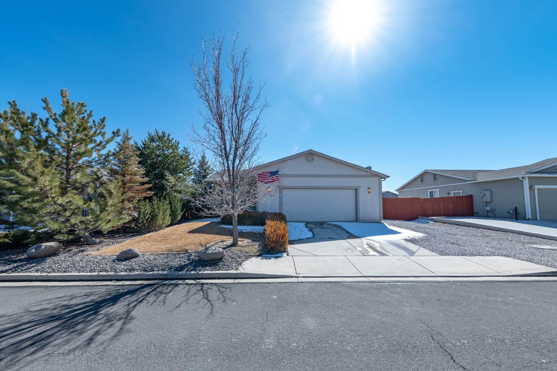 Single Family Homes por un Venta en One-Level Cold Springs 17635 Little Peak Ct Reno, Nevada 89508 Estados Unidos