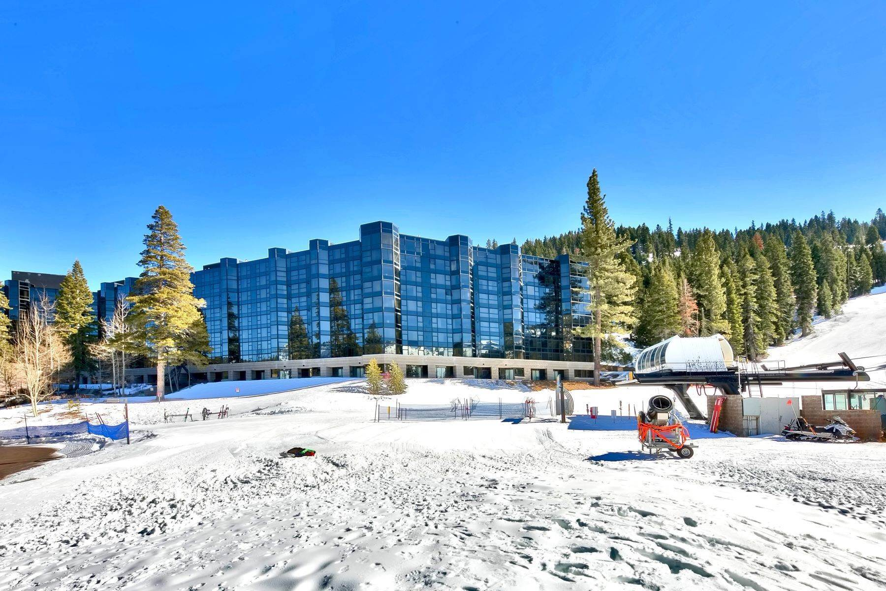 11. Condominiums for Active at 400 Squaw Creek Road #335, Olympic Valley, CA 400 Squaw Creek Road #335 Olympic Valley, California 96146 United States