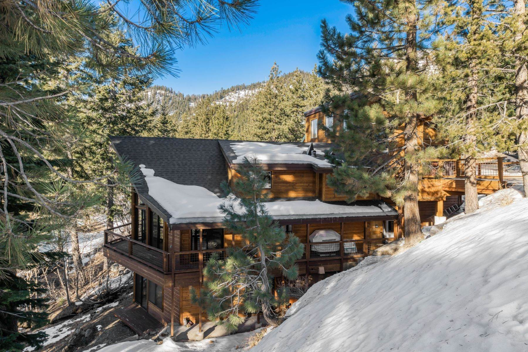 26. Single Family Homes for Active at Lakeview Creekside Mountain Home 1007 Apollo Way Incline Village, Nevada 89451 United States