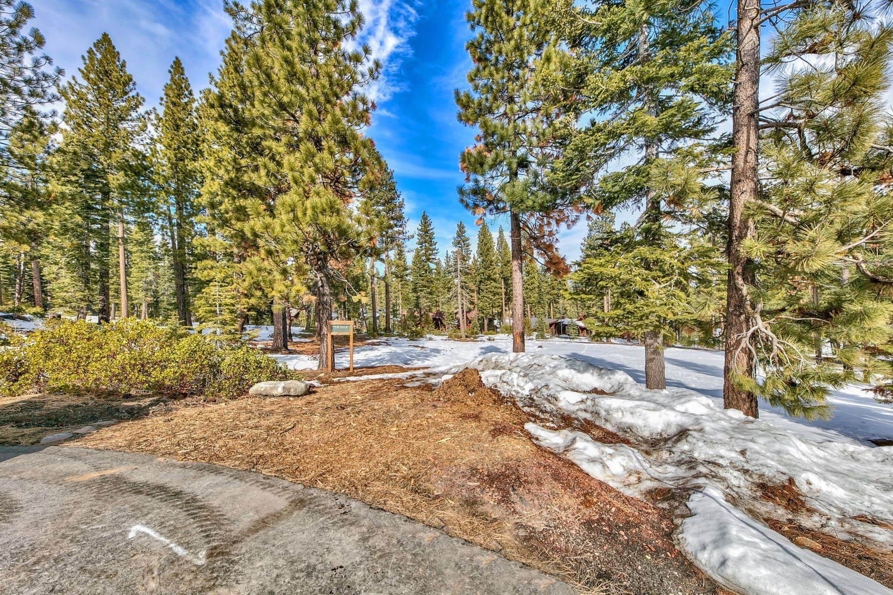 Terreno por un Venta en Beautiful Golf Course Setting 8641 Lloyd Tevis Dr Truckee, California 96161 Estados Unidos