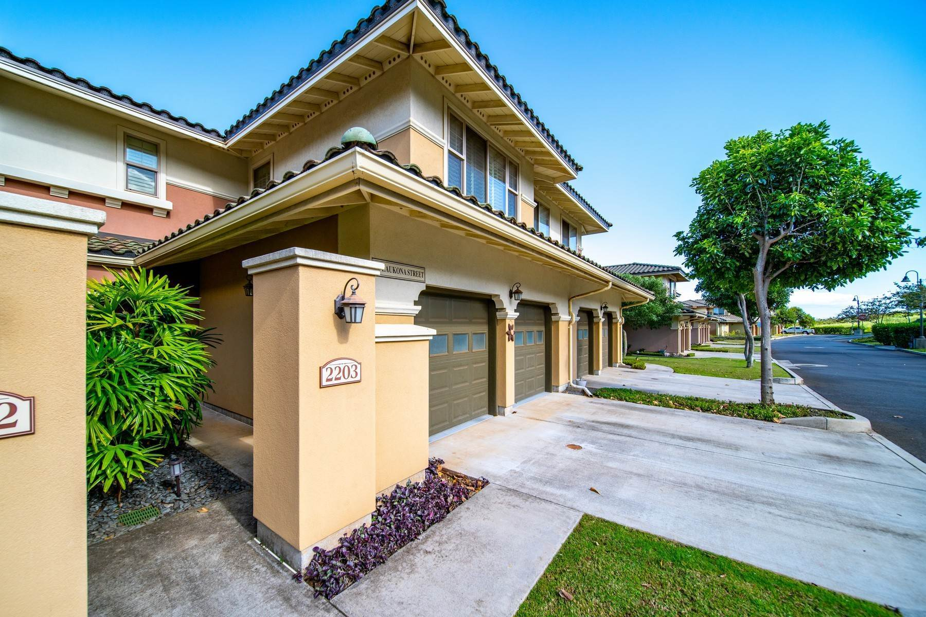 Condominiums 为 销售 在 Affordable Luxury in Central Maui Villas at Kehalani, 45 Laukona Street, #2203 怀卢库, 夏威夷 96793 美国