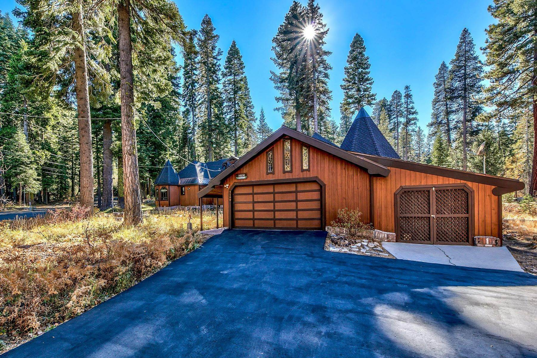 33. Single Family Homes for Active at Magical West Shore Lake Tahoe Home 7100 Deer Ave Tahoma, California 96142 United States