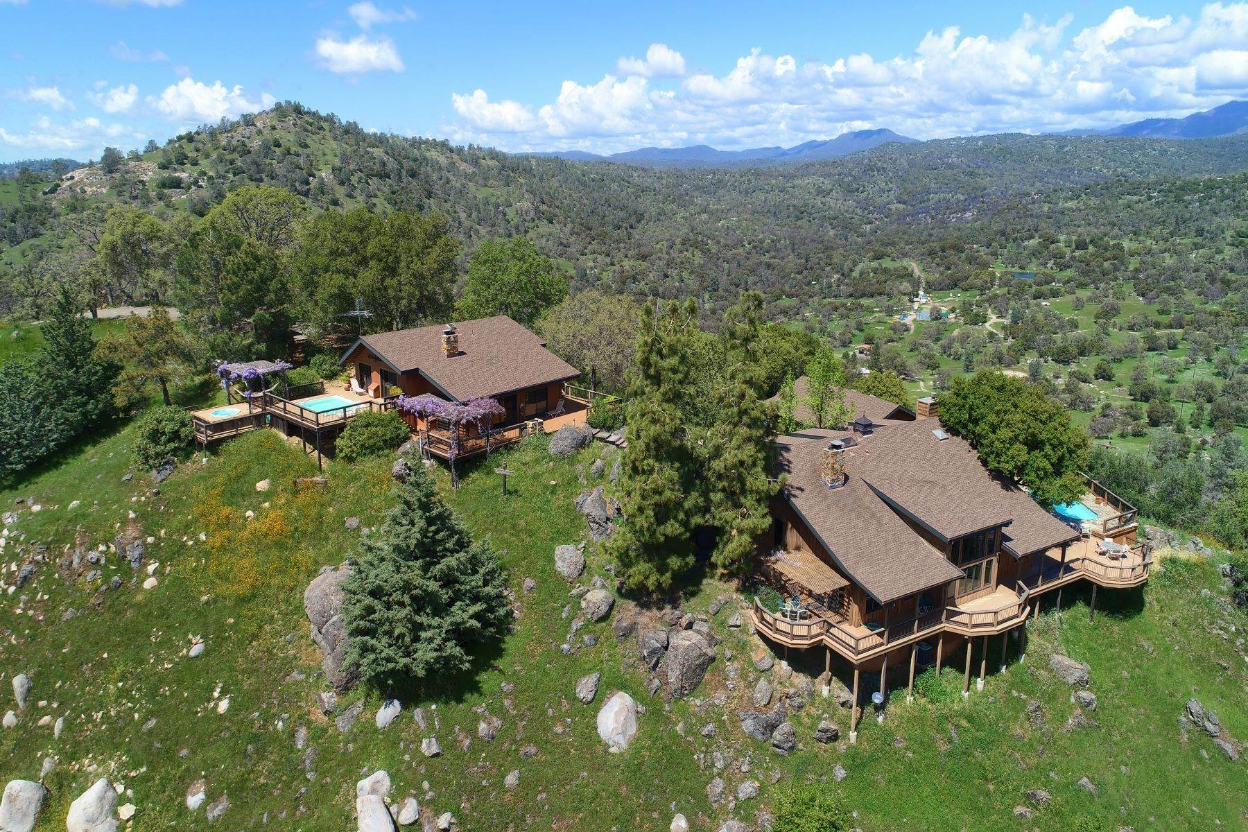 Single Family Homes for Active at Mountaintop Ranch with Incredible Views 3276 Indian Peak Road Mariposa, California 95338 United States