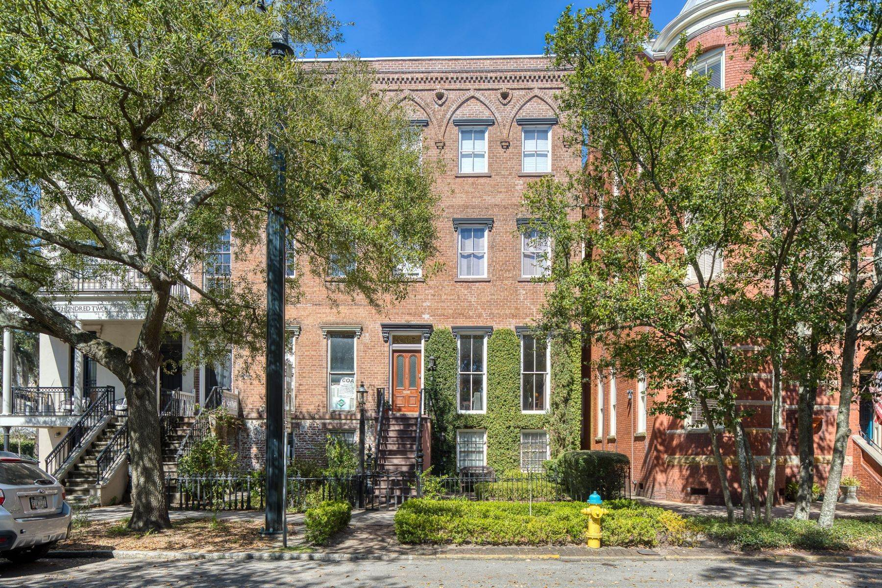 Single Family Homes for Active at Architectural Gem Located In The Heart Of Savannah's Landmark Historic District 206 E Gaston Street Savannah, Georgia 31401 United States