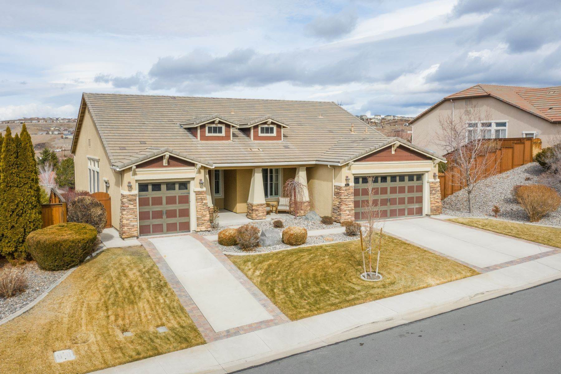 Single Family Homes por un Venta en Panoramic Views, Walkout Basement 2630 Novara Ct Sparks, Nevada 89434 Estados Unidos