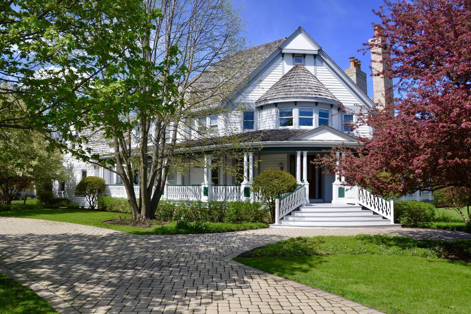Single Family Homes for Active at A true classic Victorian 22 S Wynstone Drive North Barrington, Illinois 60010 United States