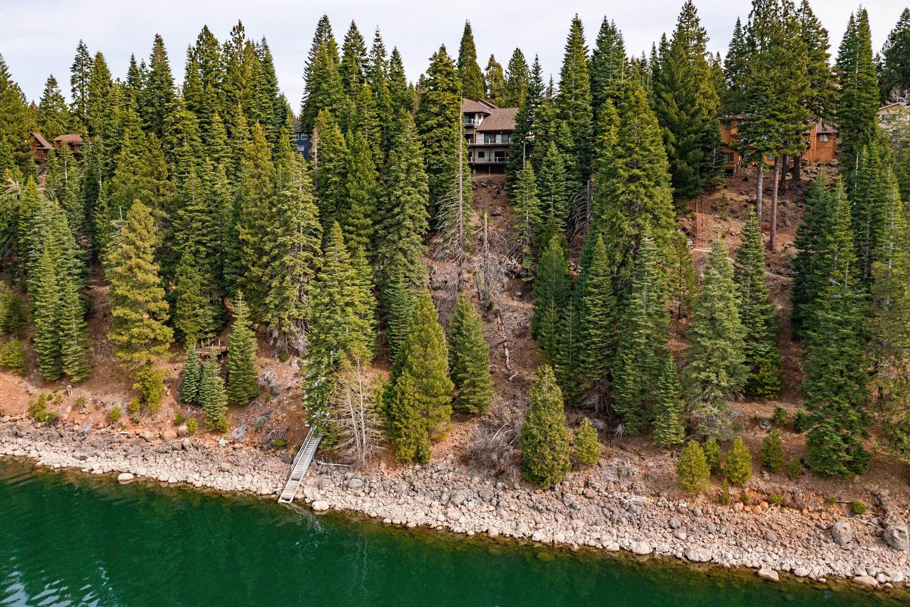 50. Single Family Homes for Active at Beautiful Lakefront Home 925 Lassen View Drive Lake Almanor, California 96137 United States