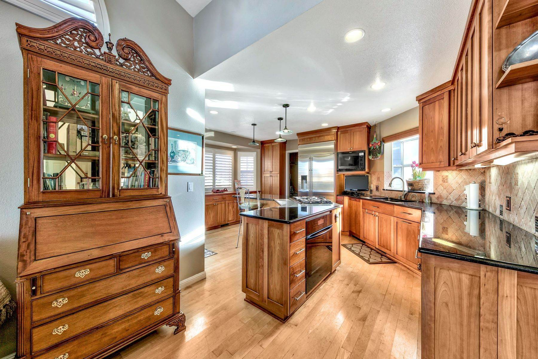 10. Single Family Homes for Active at 5 Bedroom Waterfront 1961 Kokanee Way South Lake Tahoe, California 96150 United States